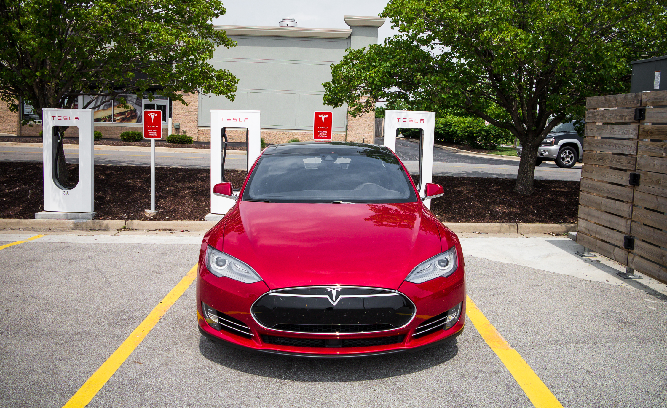 2015 Tesla Model S P85D (Photo 12 of 37)