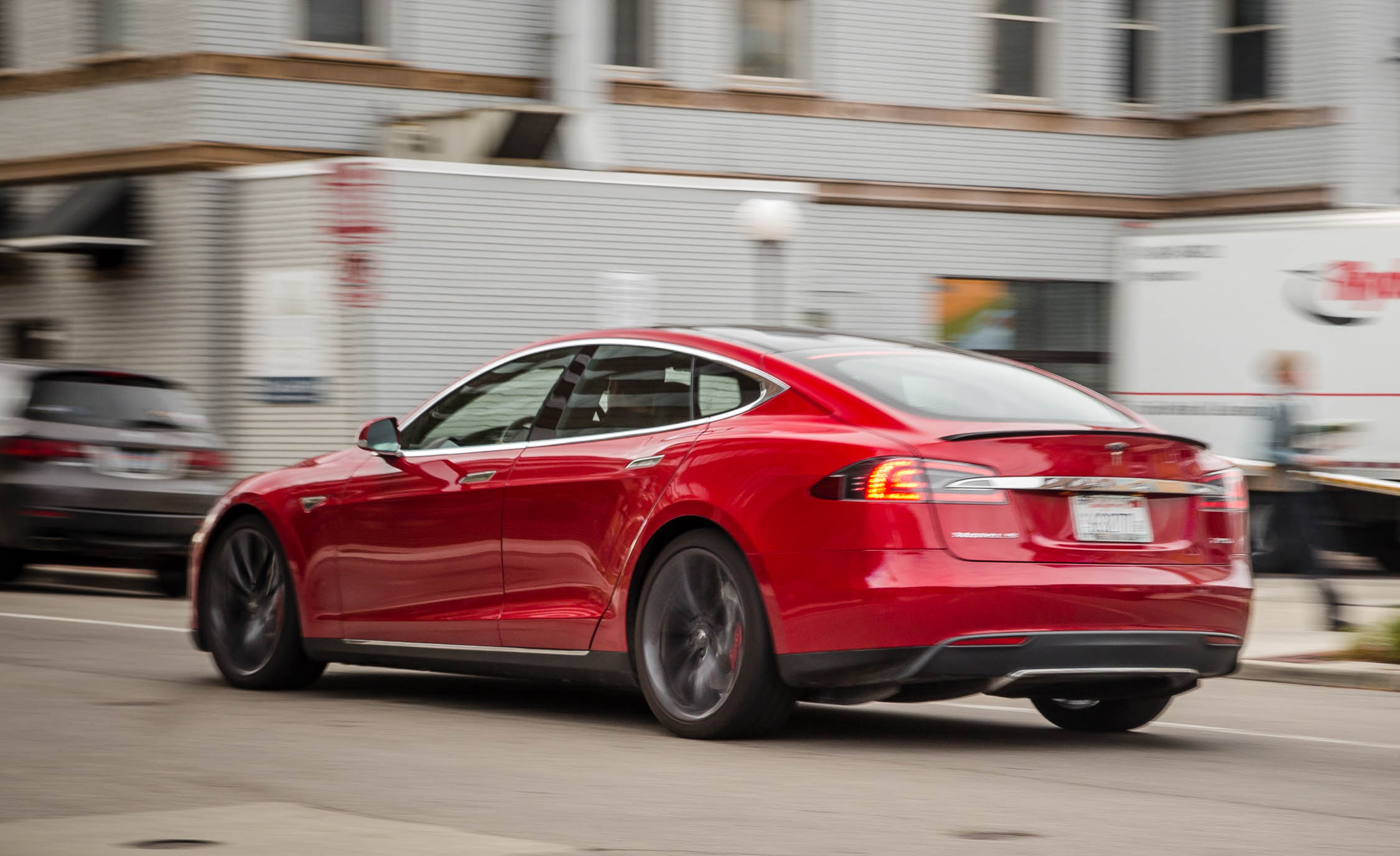 2015 Tesla Model S P85D (Photo 1 of 37)