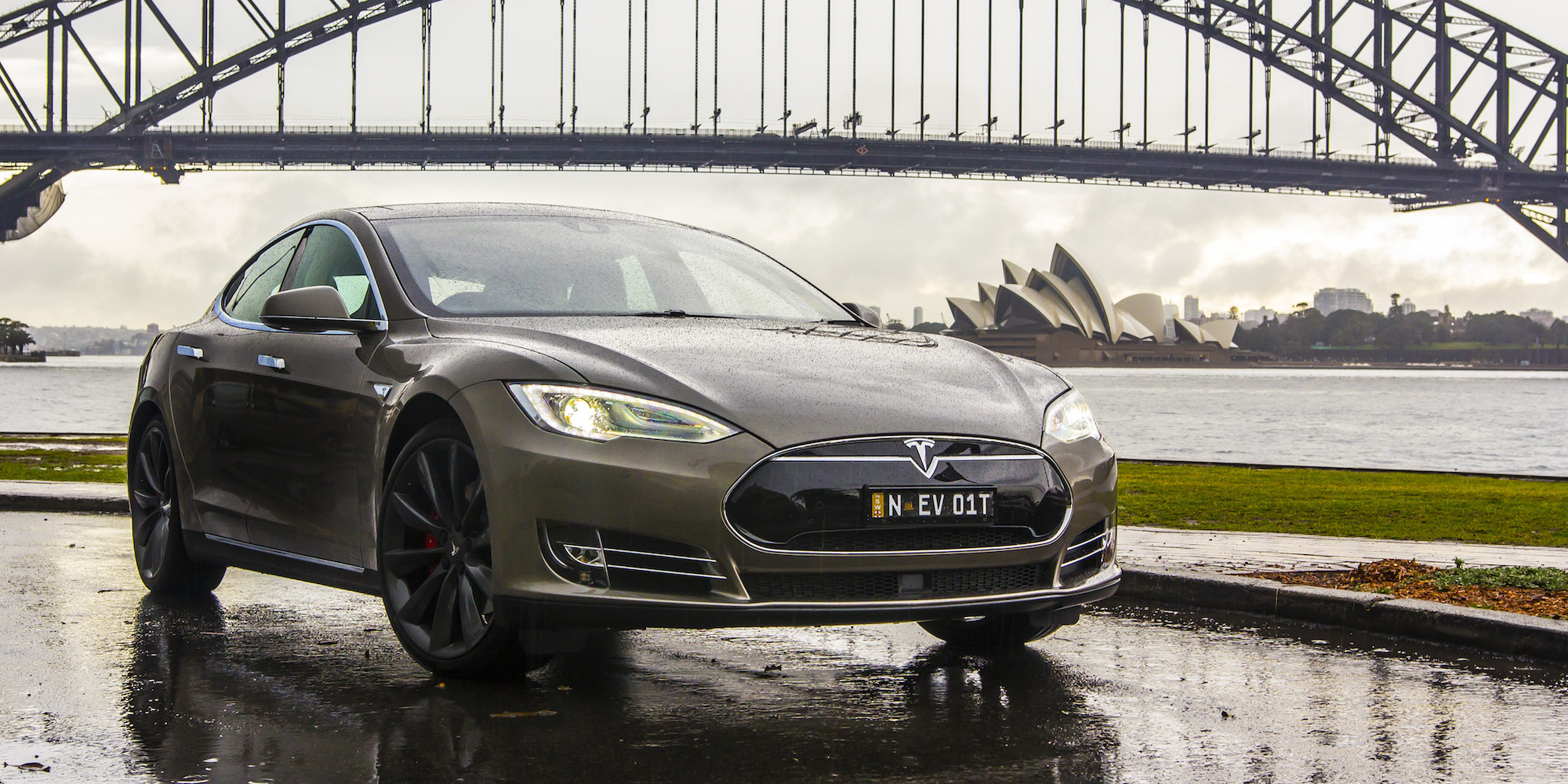 2015 Tesla Model S P85d Sedan (View 3 of 37)
