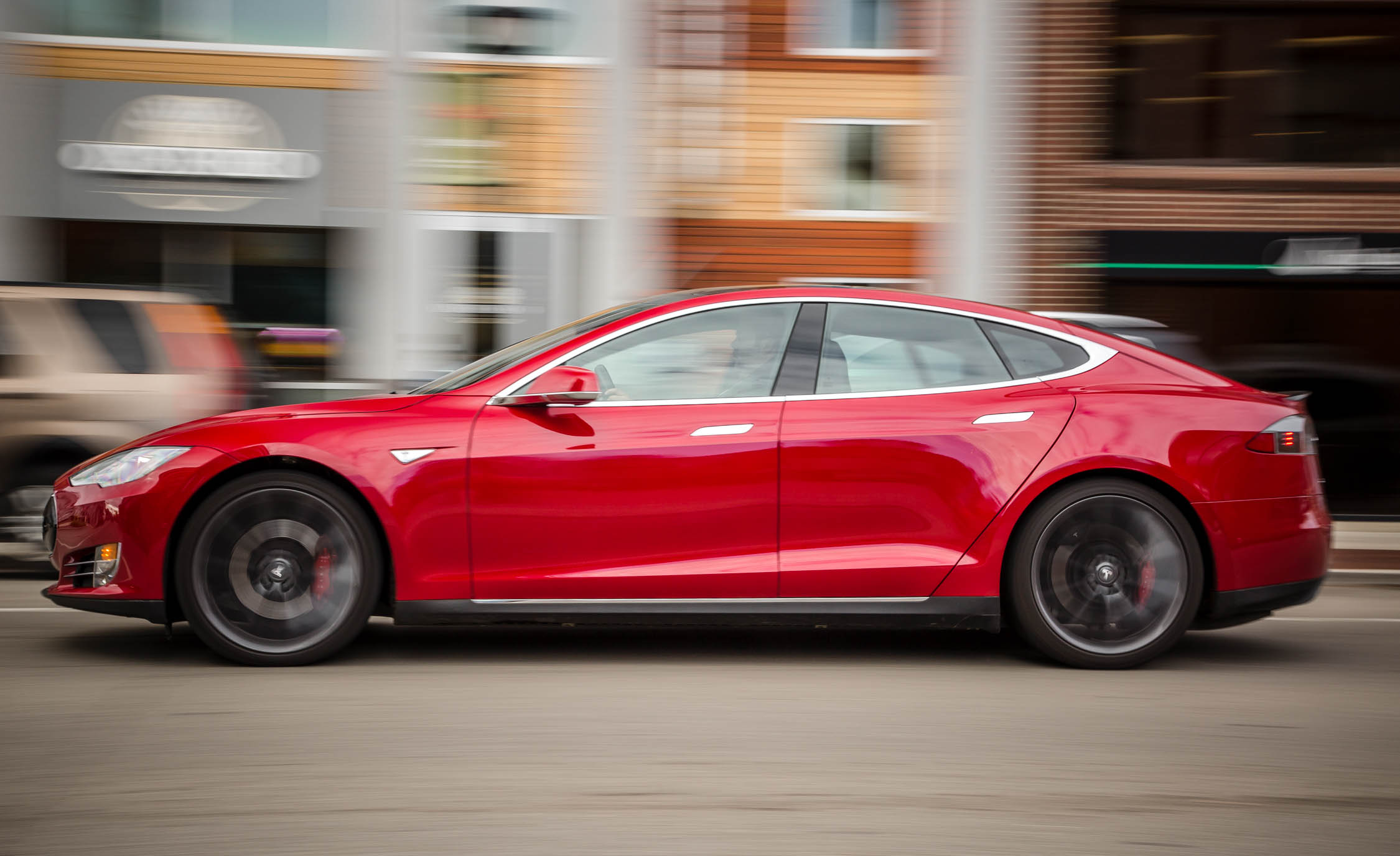 2015 Tesla Model S P85D (Photo 4 of 37)