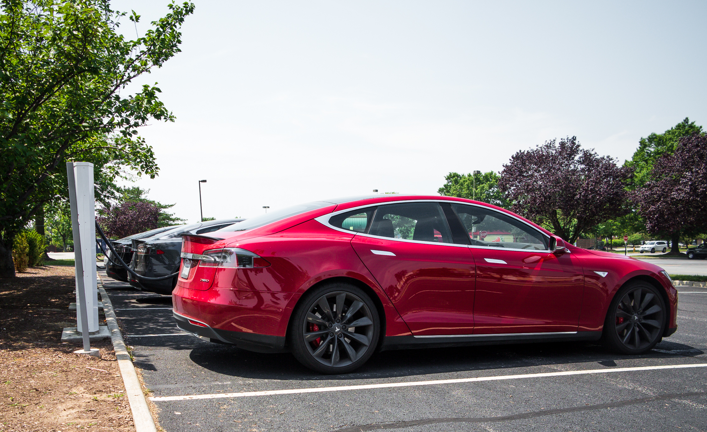 2015 Tesla Model S P85D (Photo 3 of 37)