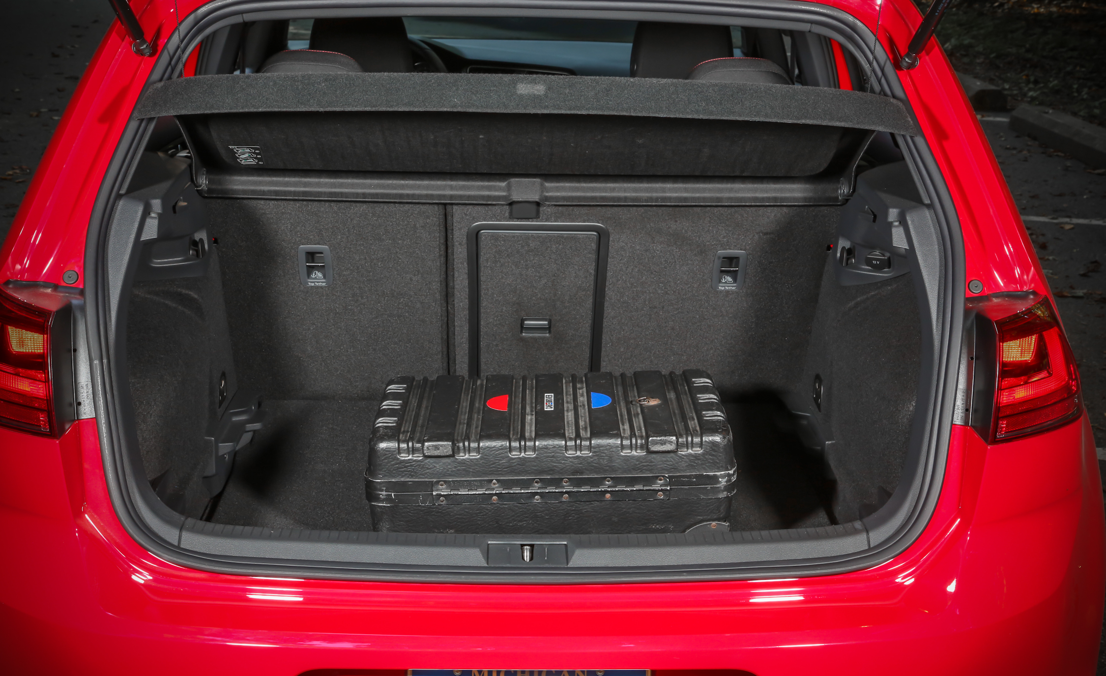 2015 Volkswagen GTI 5 Door Cargo Area (Photo 39 of 55)