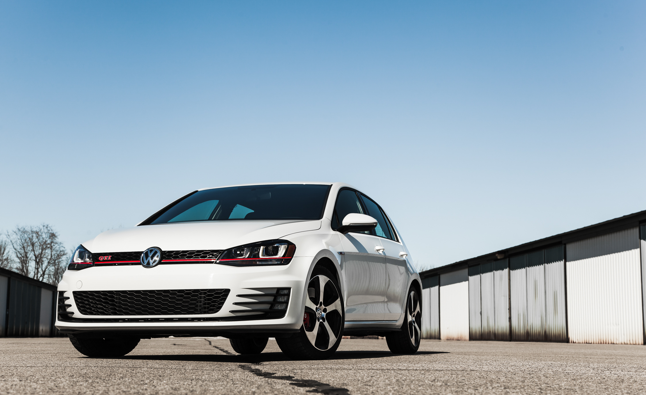 2015 Volkswagen GTI (Photo 13 of 55)