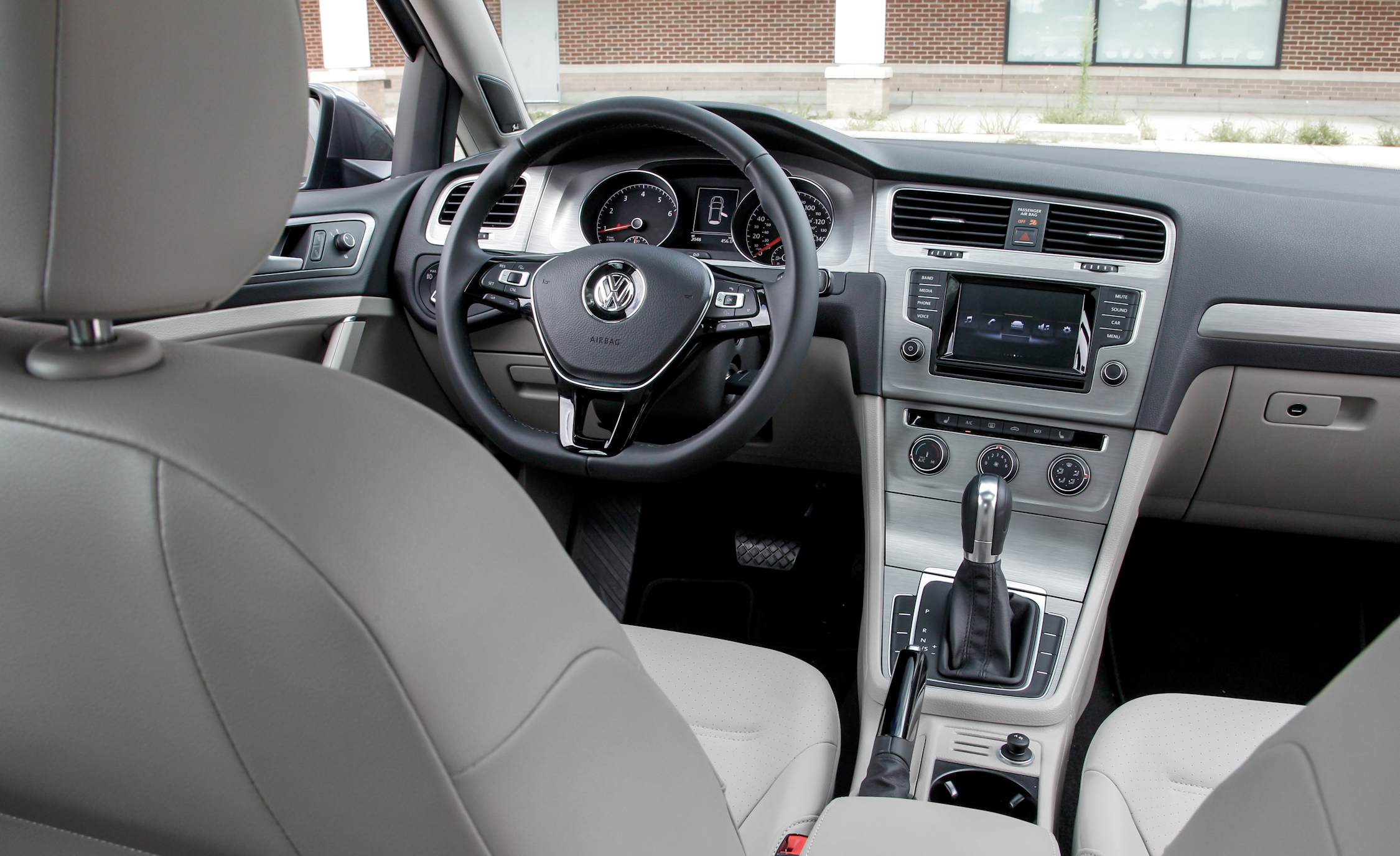 2015 Volkswagen Golf  (Photo 13 of 23)