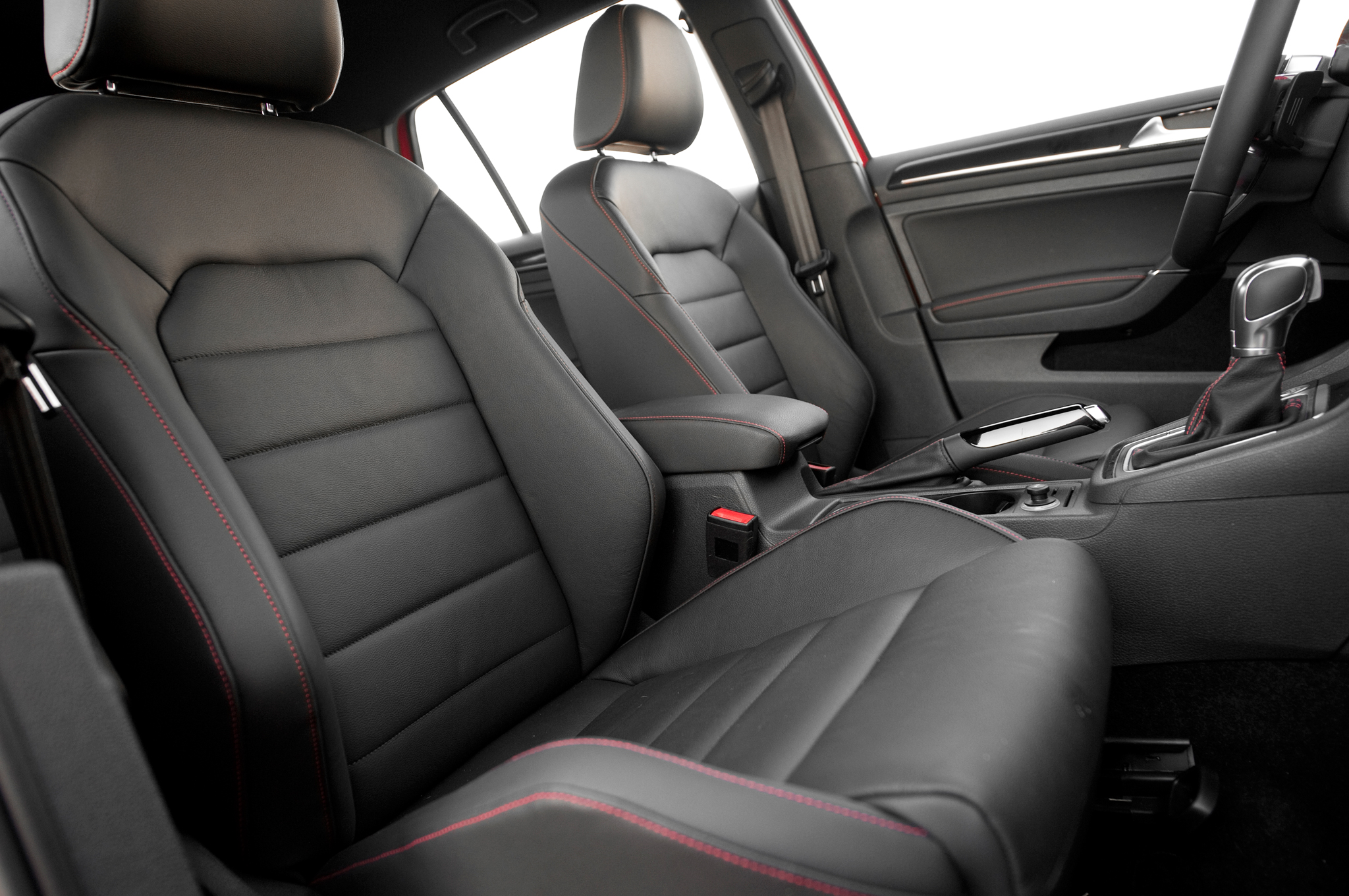 2015 Volkswagen Golf Gti Front Seats Interior (Photo 47 of 55)