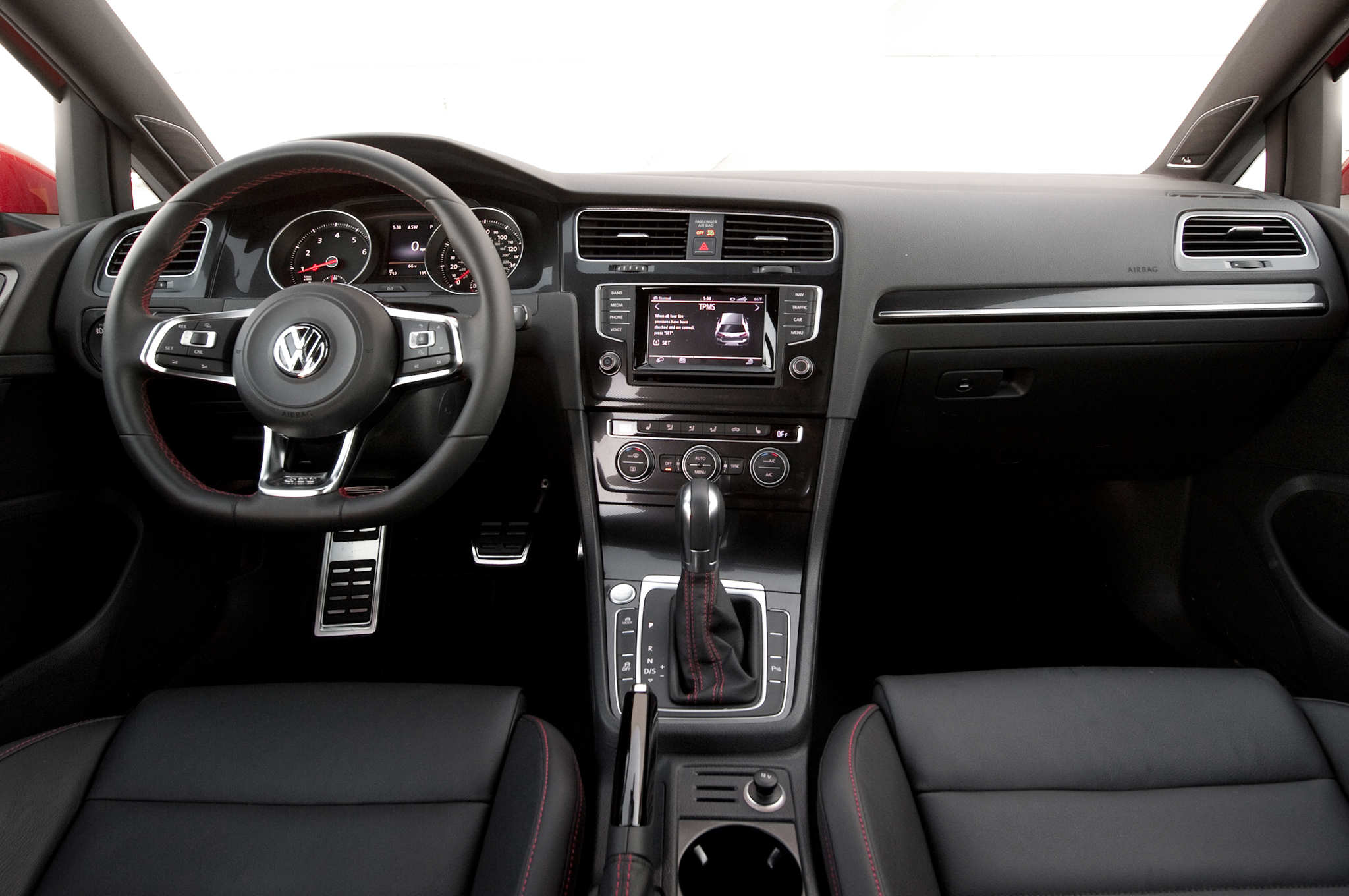 2015 Volkswagen Golf Gti Interior Dash And Panel (View 19 of 55)