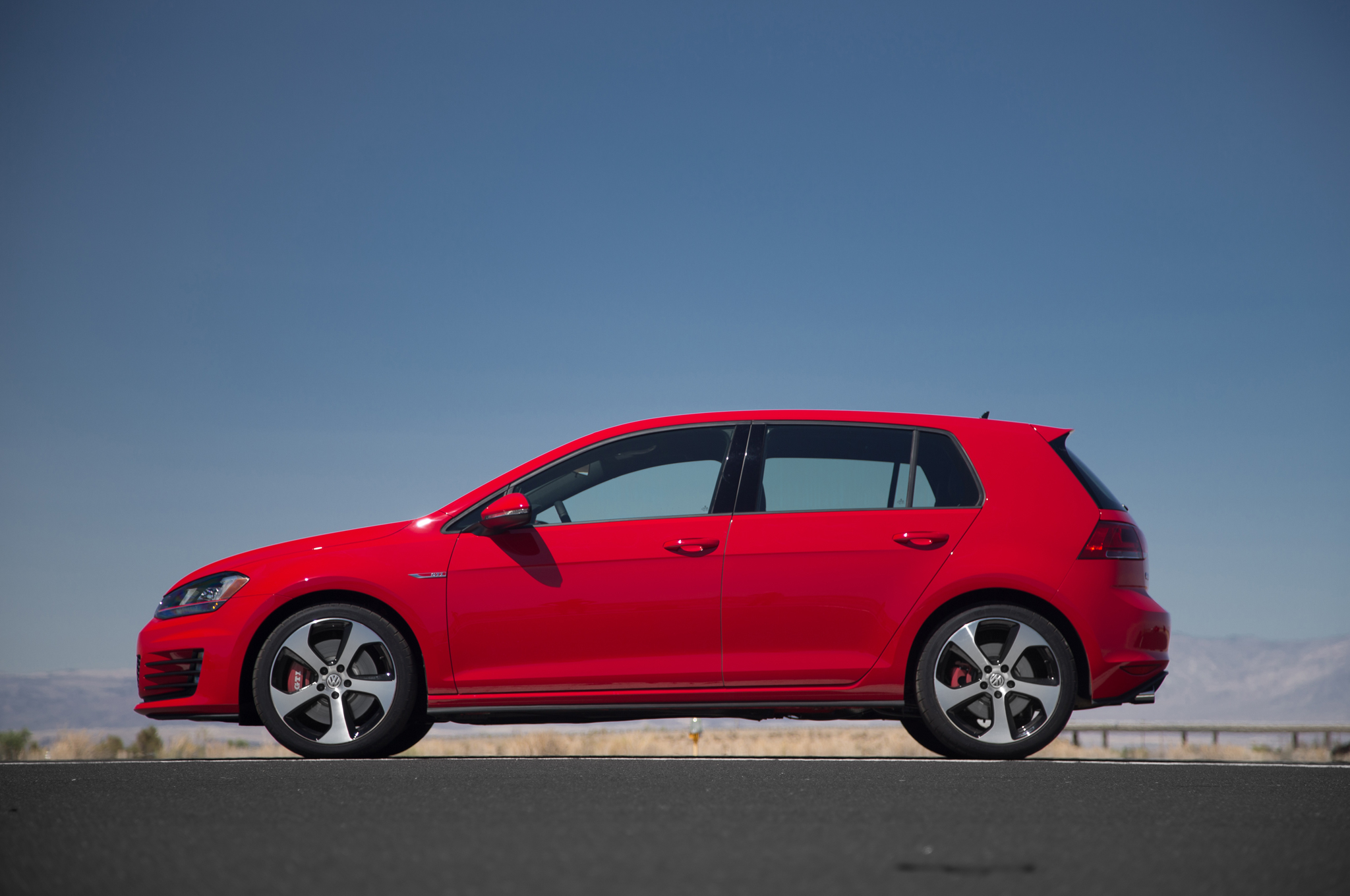 2015 Volkswagen Golf Gti Left Side Photo (Photo 51 of 55)