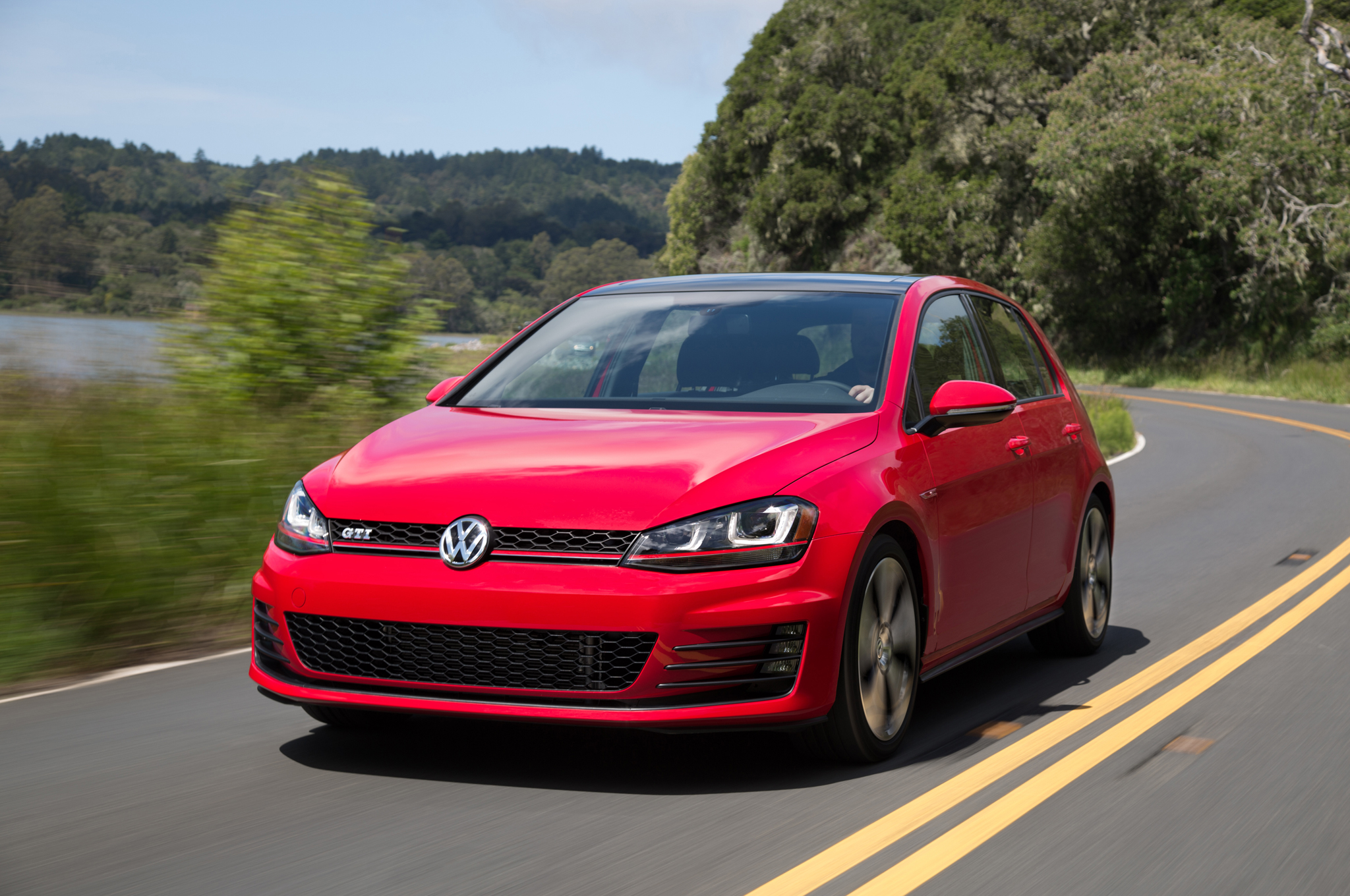 2015 Volkswagen Golf Gti Performance Test (Photo 52 of 55)