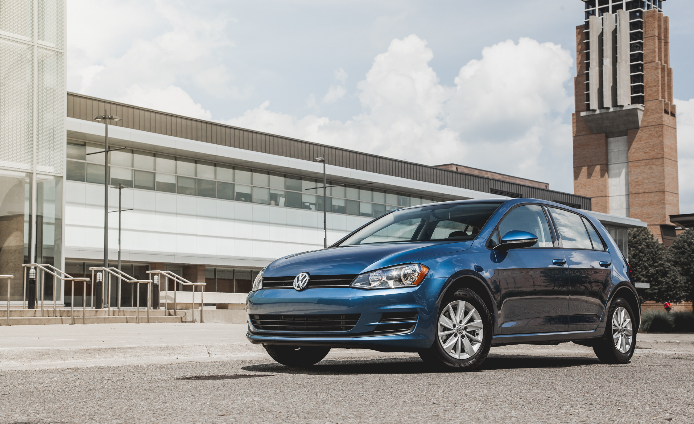2015 Volkswagen Golf  (Photo 7 of 23)