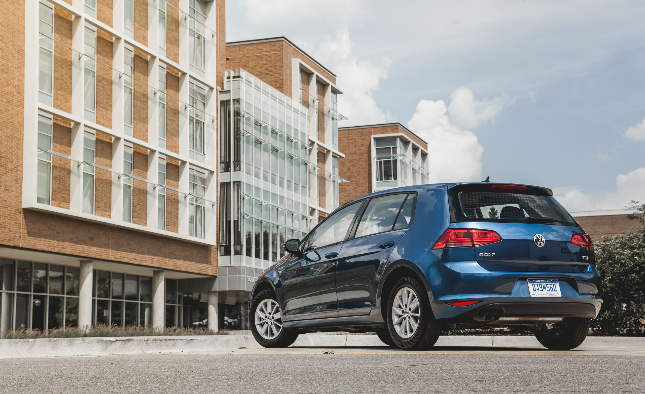 2015 Volkswagen Golf  (Photo 5 of 23)