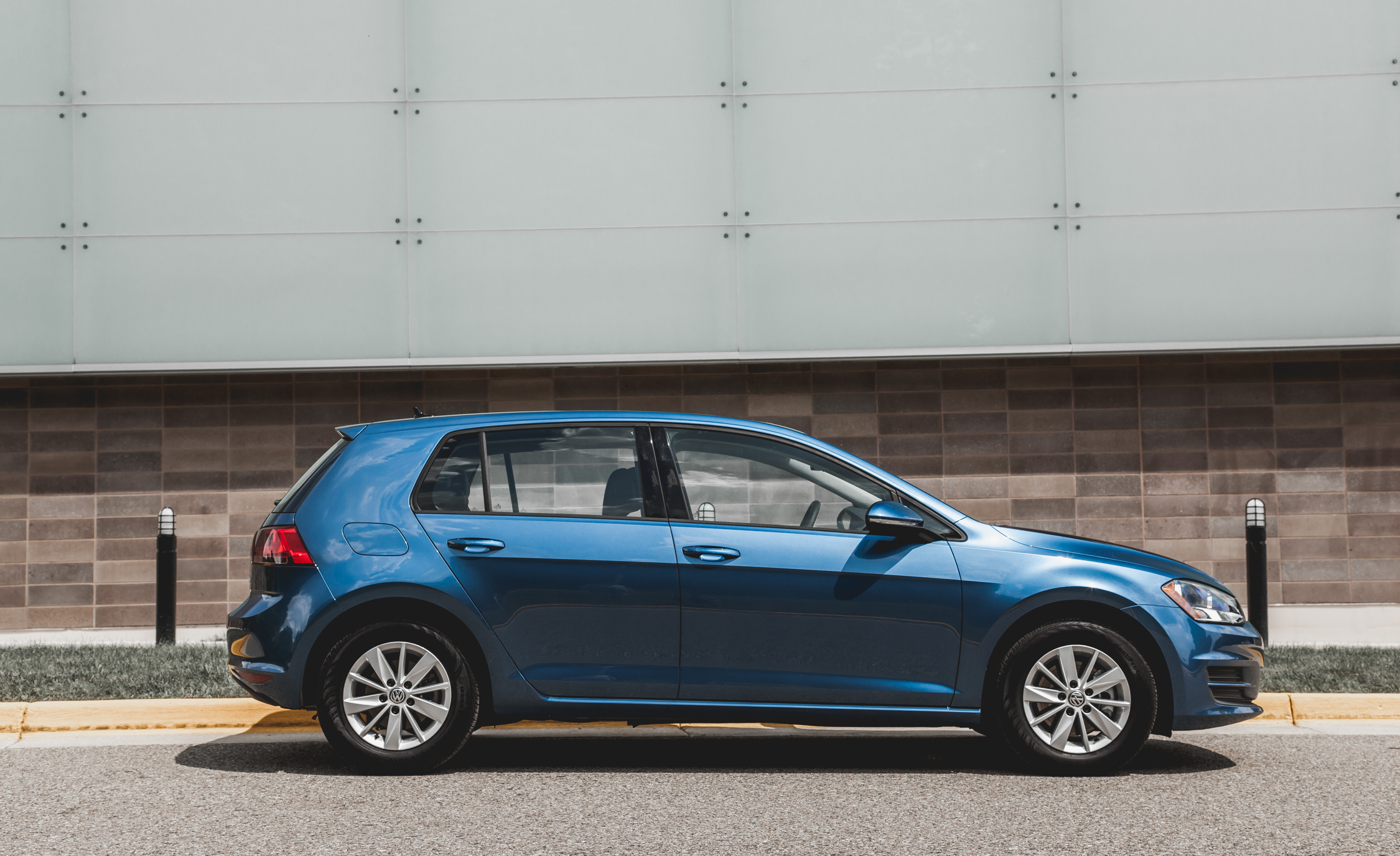2015 Volkswagen Golf  (Photo 4 of 23)