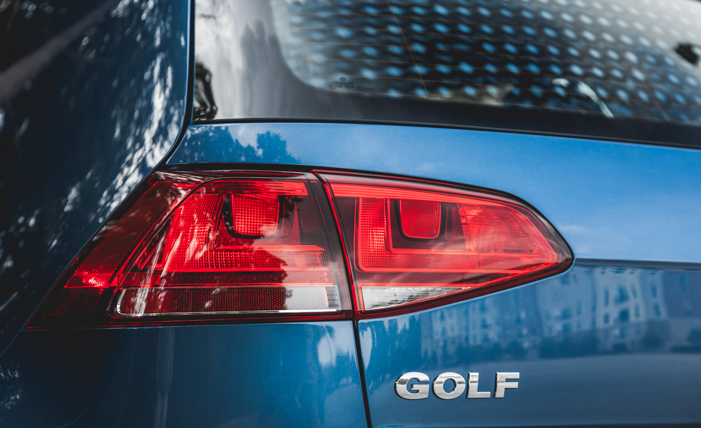 2015 Volkswagen Golf  (Photo 2 of 23)