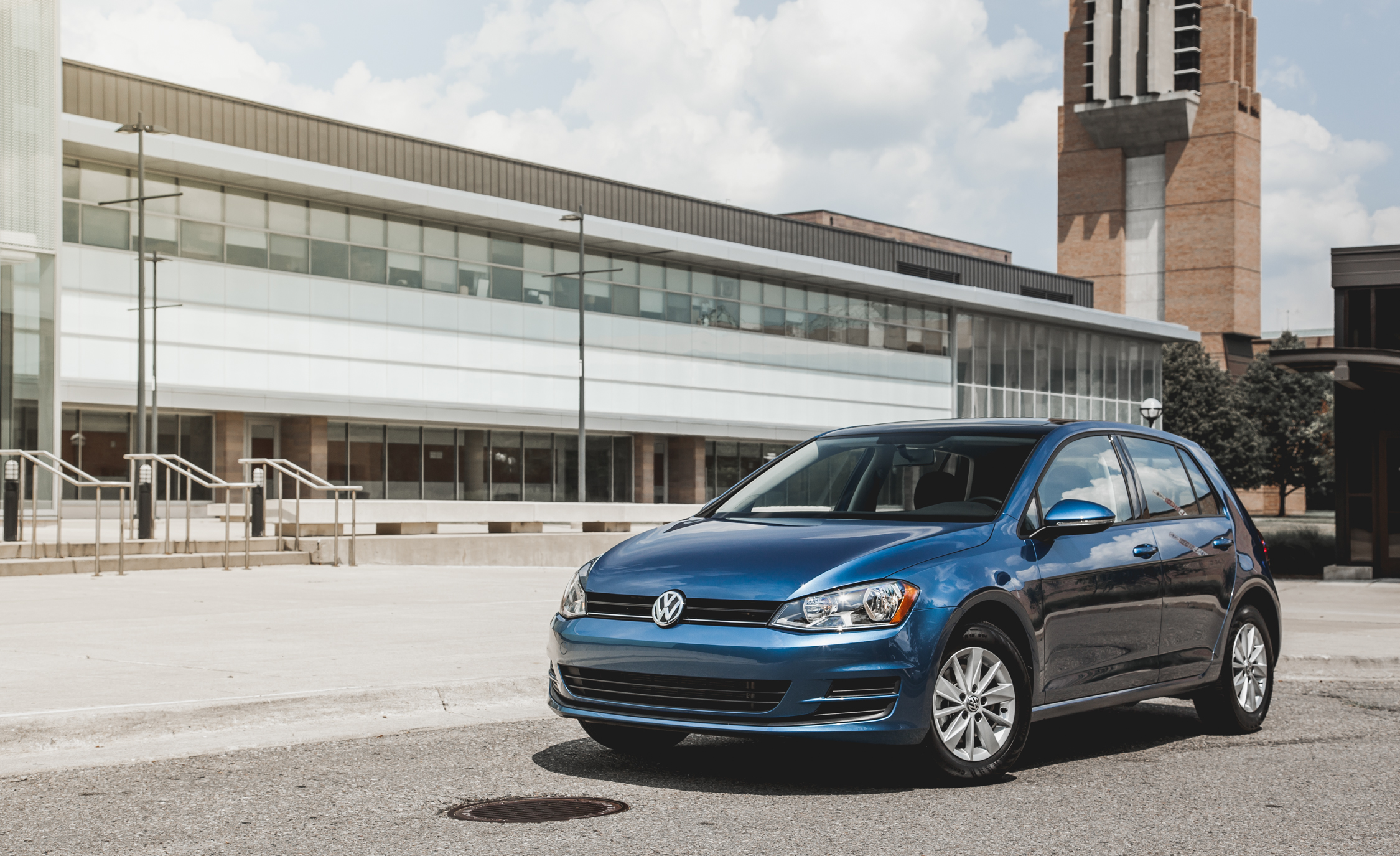 2015 Volkswagen Golf  (Photo 8 of 23)