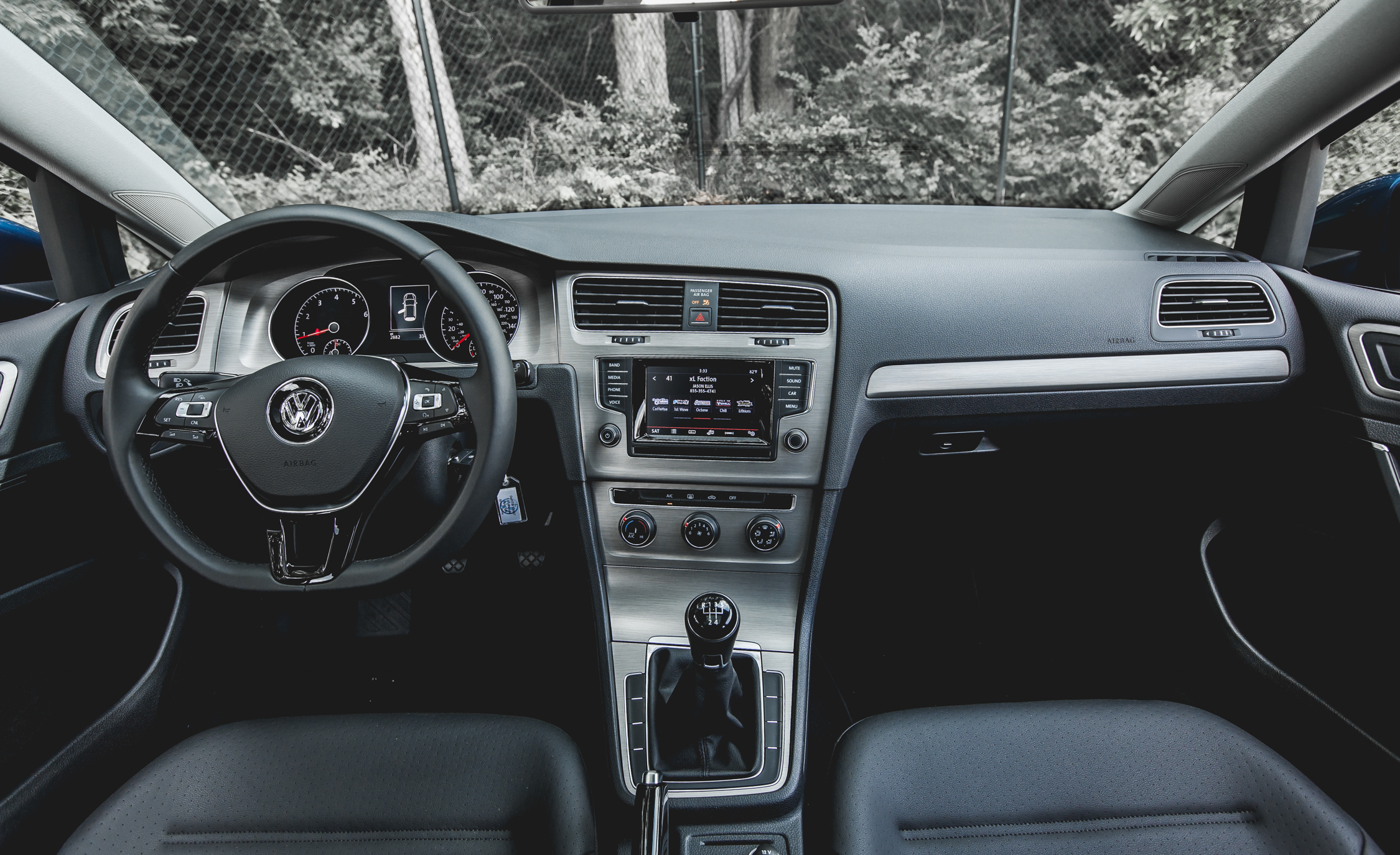 2015 Volkswagen Golf  (Photo 19 of 23)