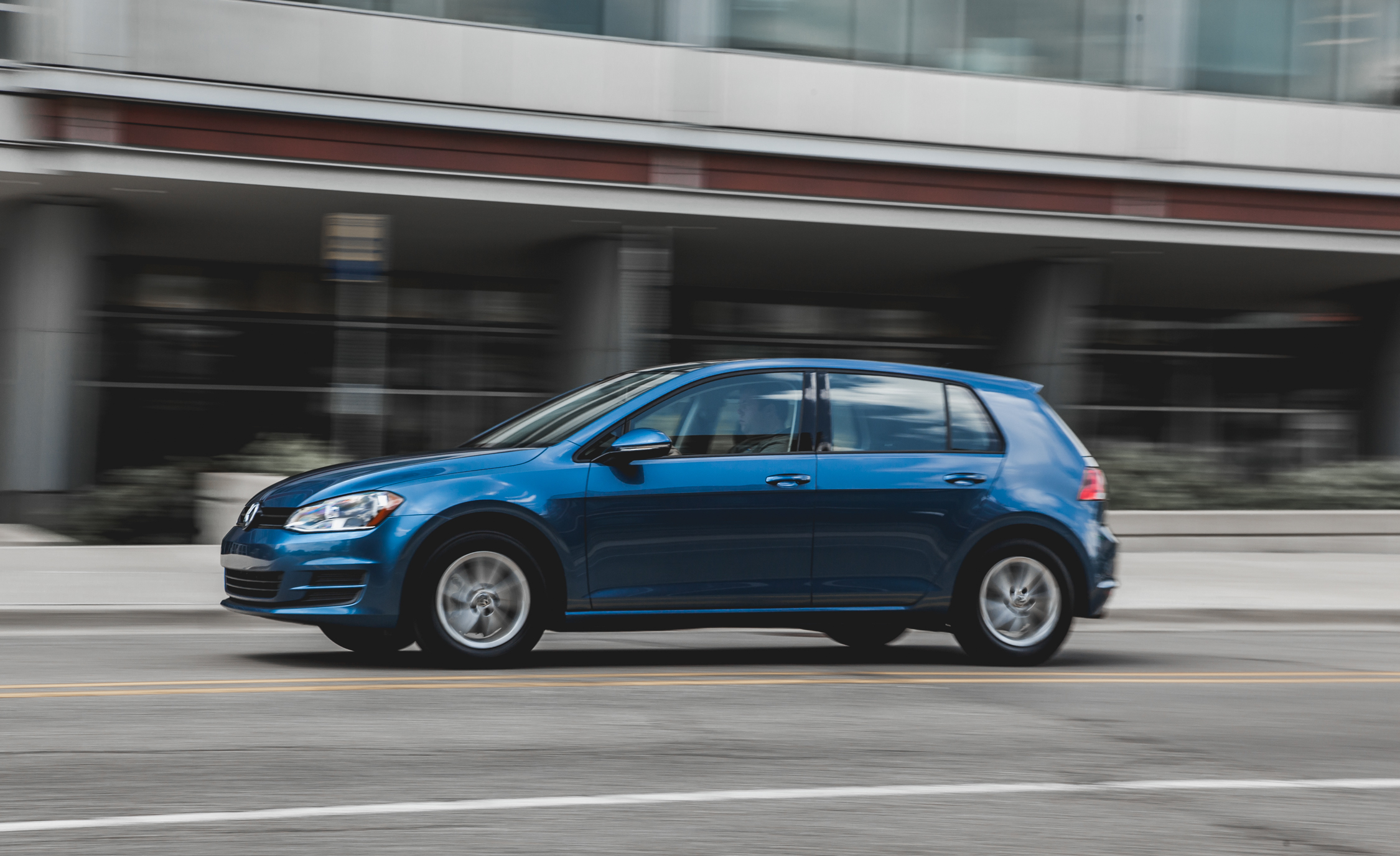 2015 Volkswagen Golf  (Photo 12 of 23)