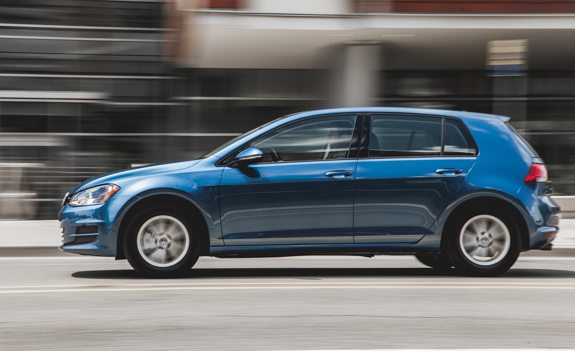 2015 Volkswagen Golf  (Photo 10 of 23)