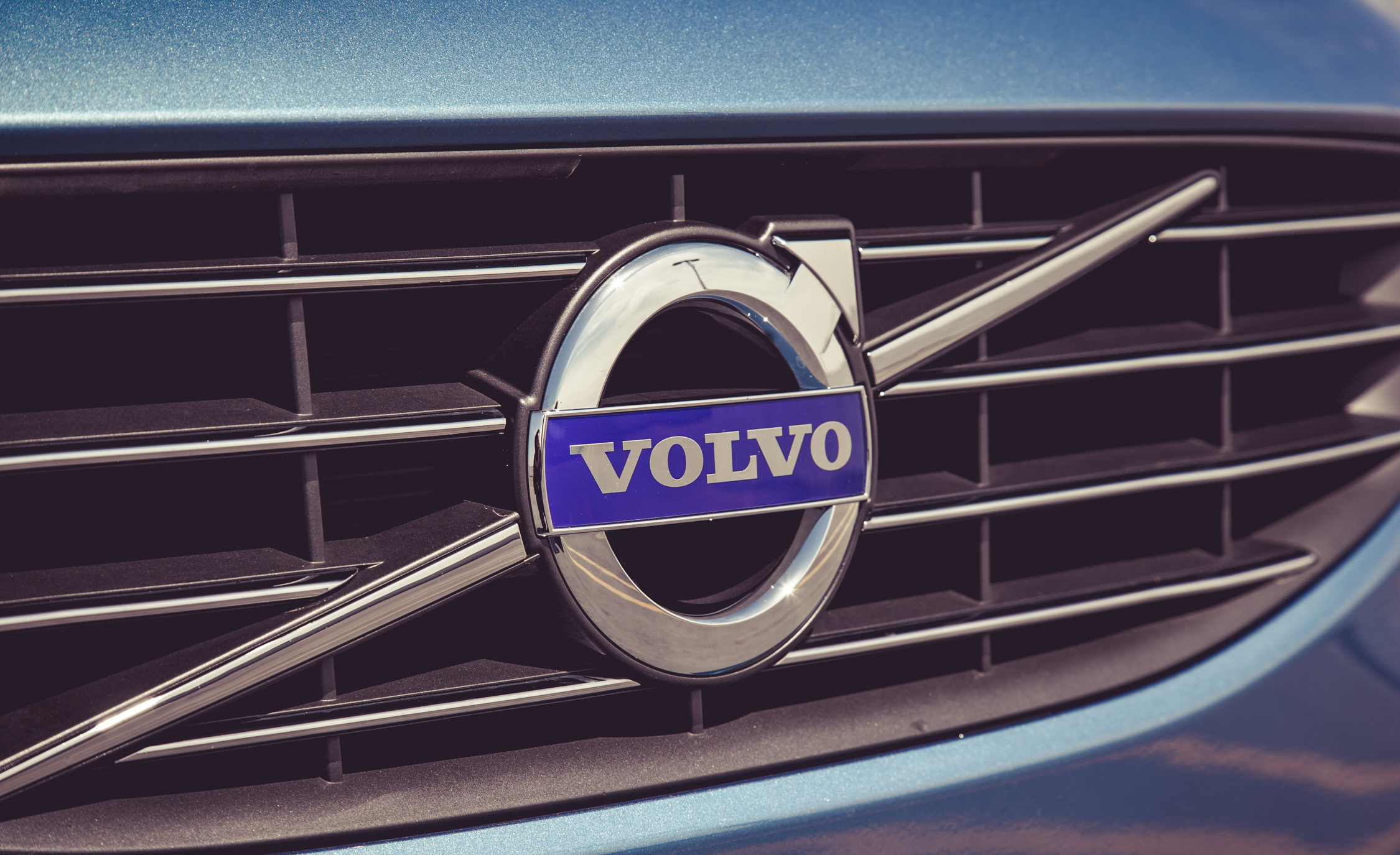 2015 Volvo V60 Grille And Badge (Photo 11 of 38)