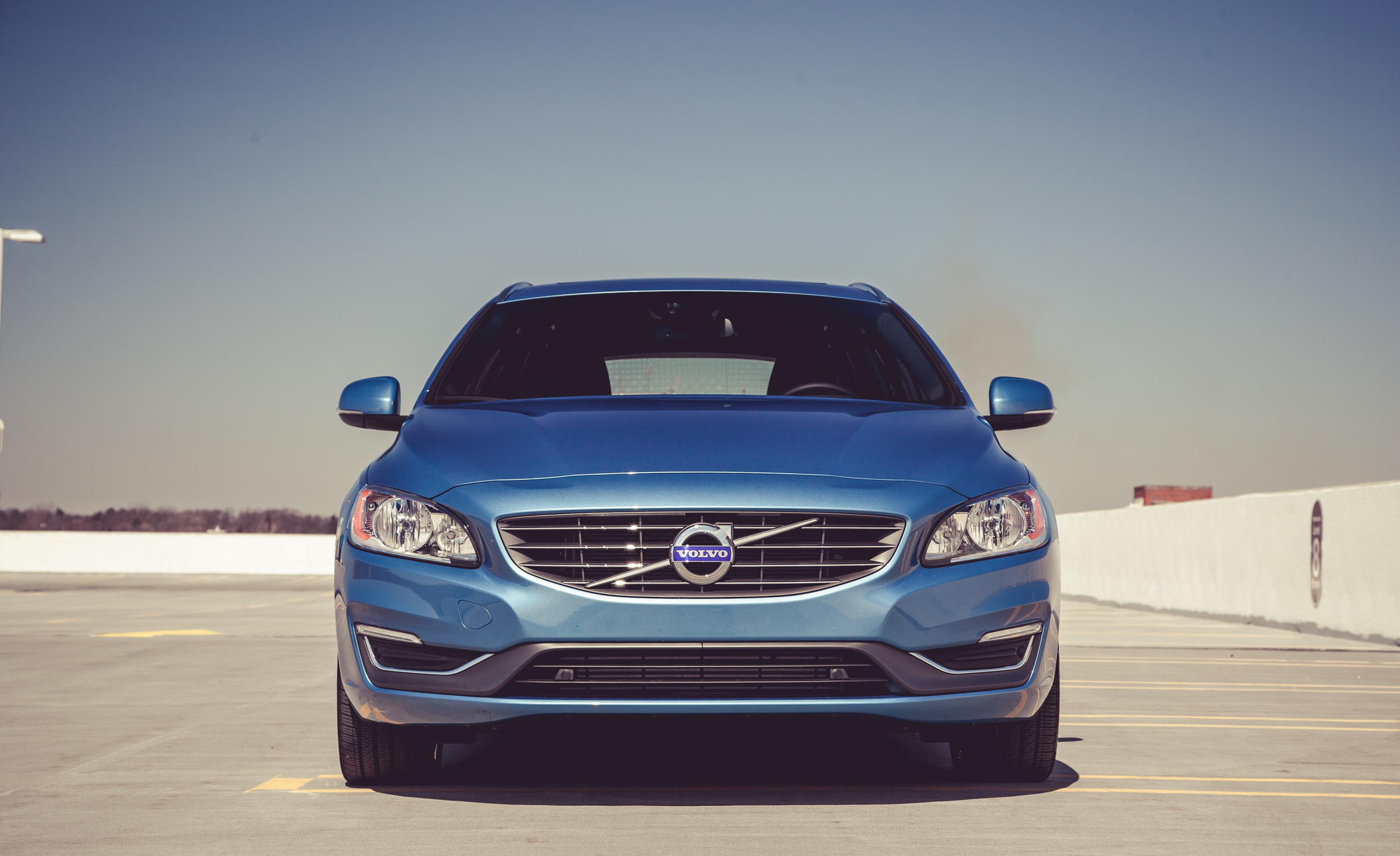 2015 Volvo V (Photo 6 of 38)