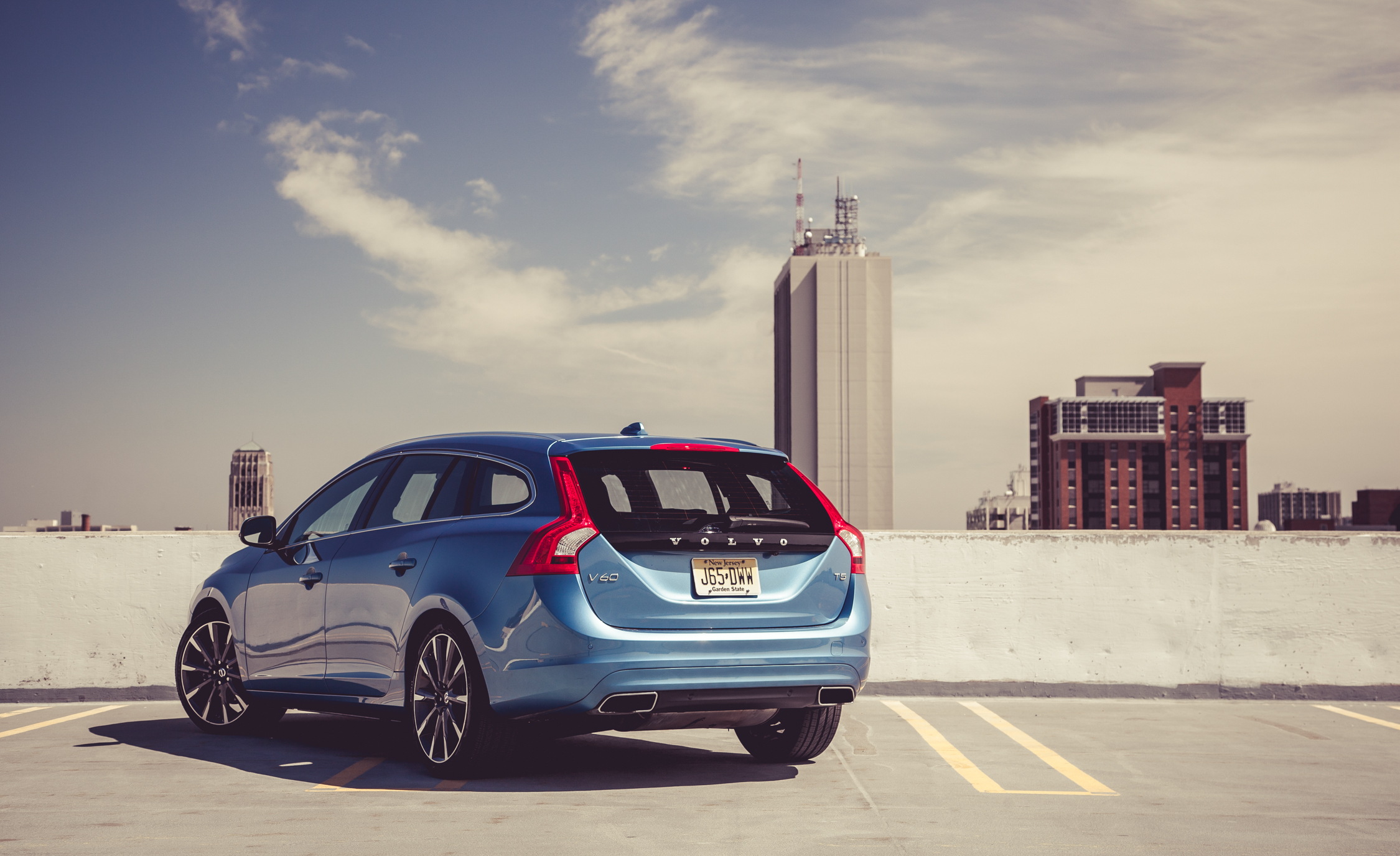 2015 Volvo V (Photo 8 of 38)