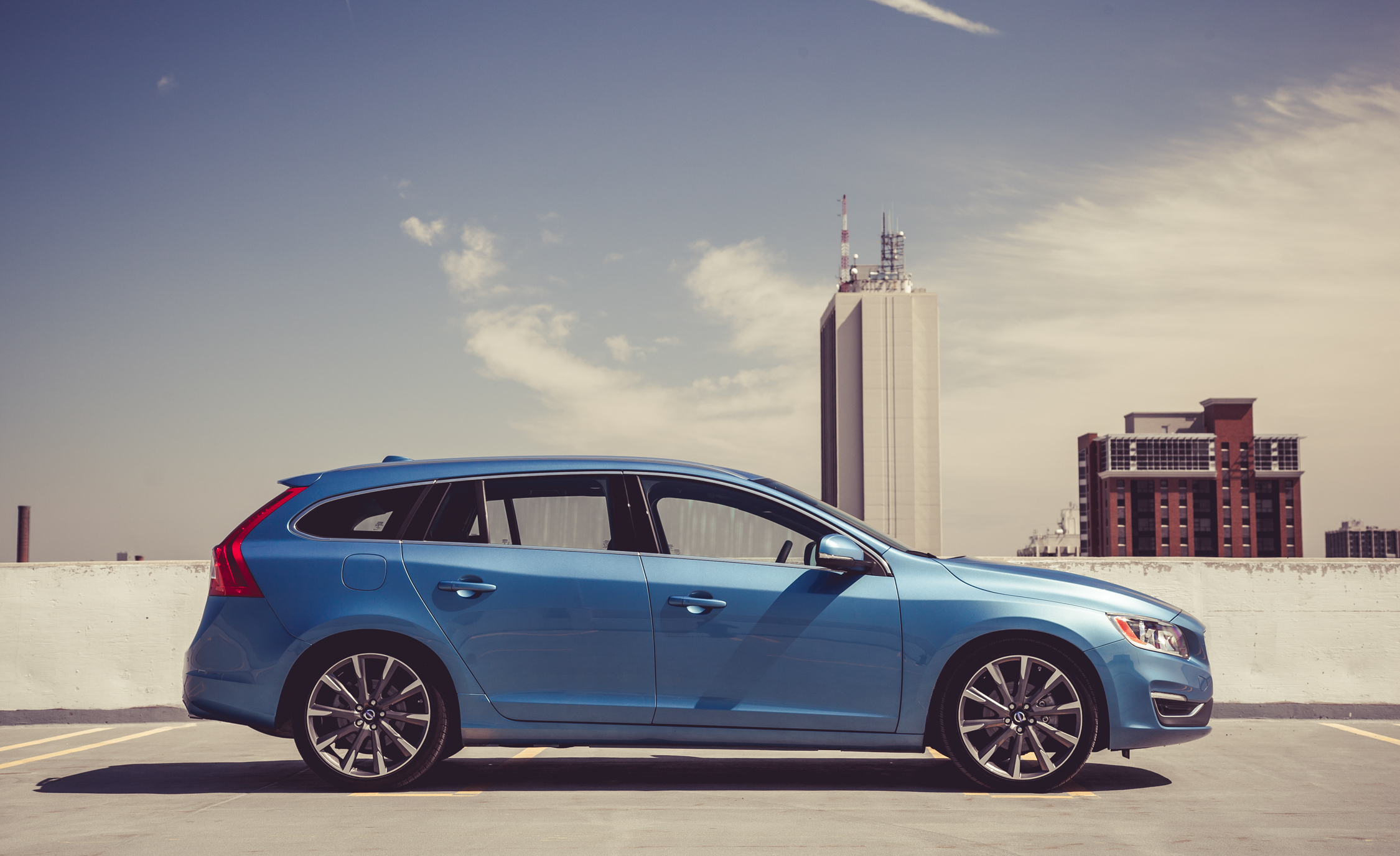 2015 Volvo V (Photo 9 of 38)