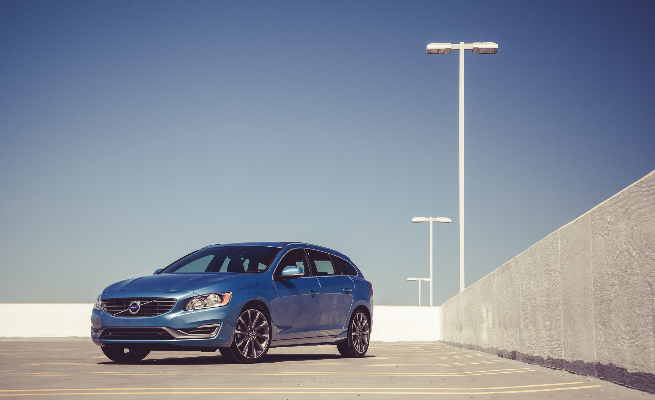 2015 Volvo V (Photo 5 of 38)