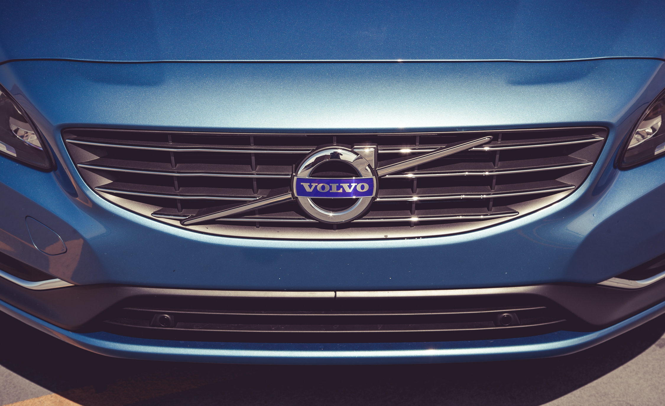 2015 Volvo V60 Grille And Badge (Photo 12 of 38)