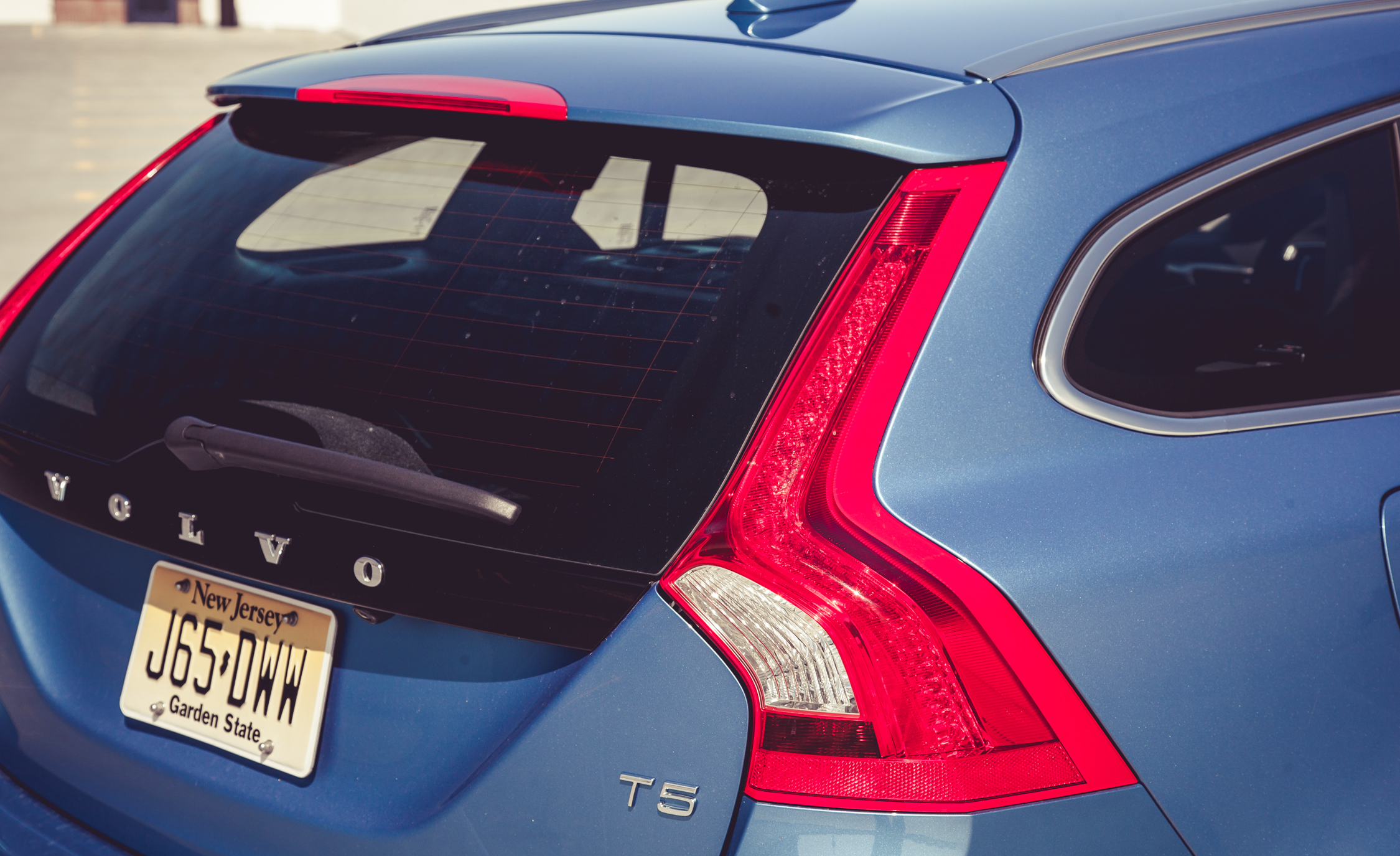 2015 Volvo V (Photo 10 of 38)
