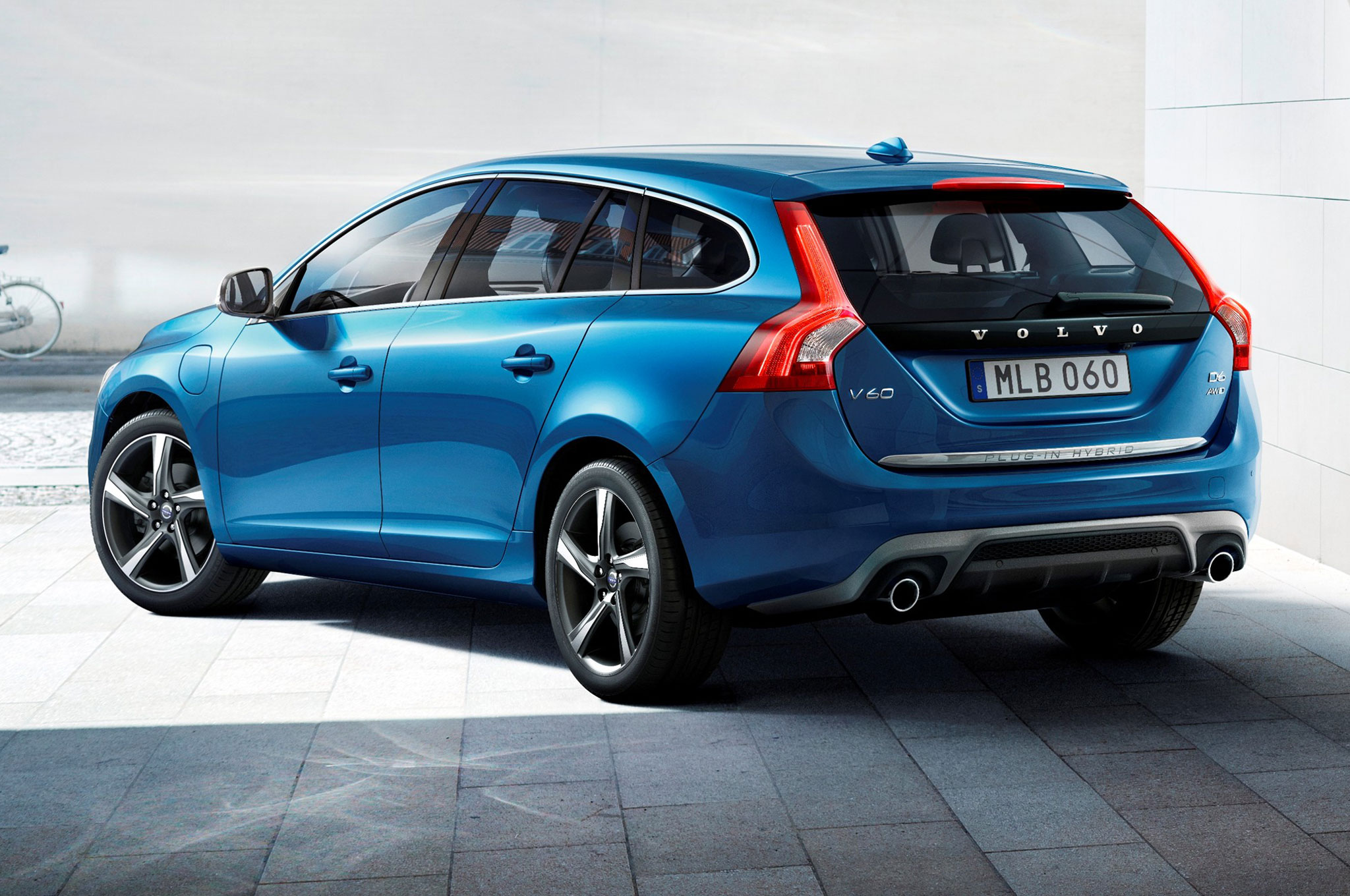 2015 Volvo V60 Plug In Hybrid (Photo 36 of 38)
