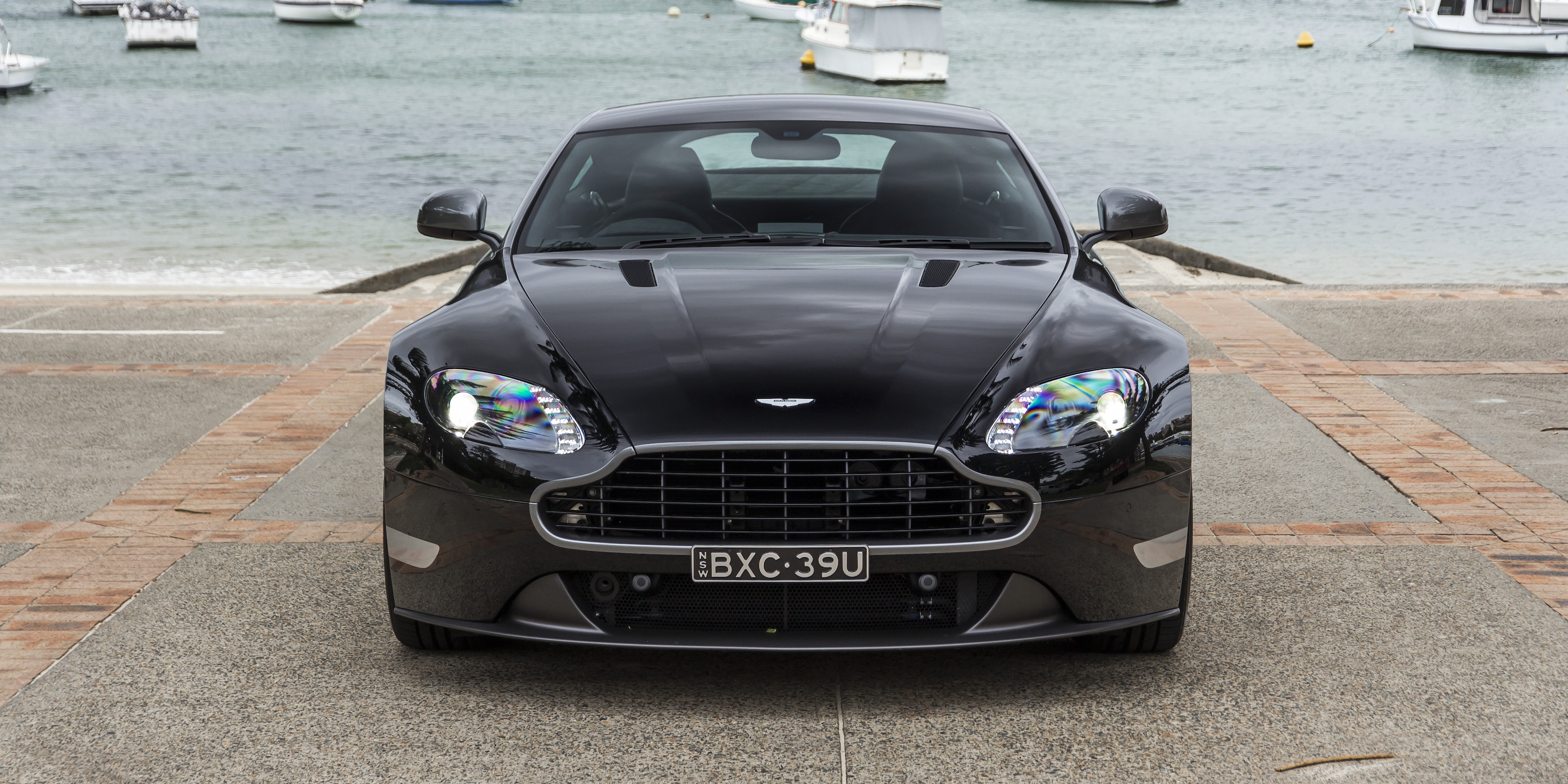 2016 Aston Martin Vantage Gt Front End (Photo 6 of 25)