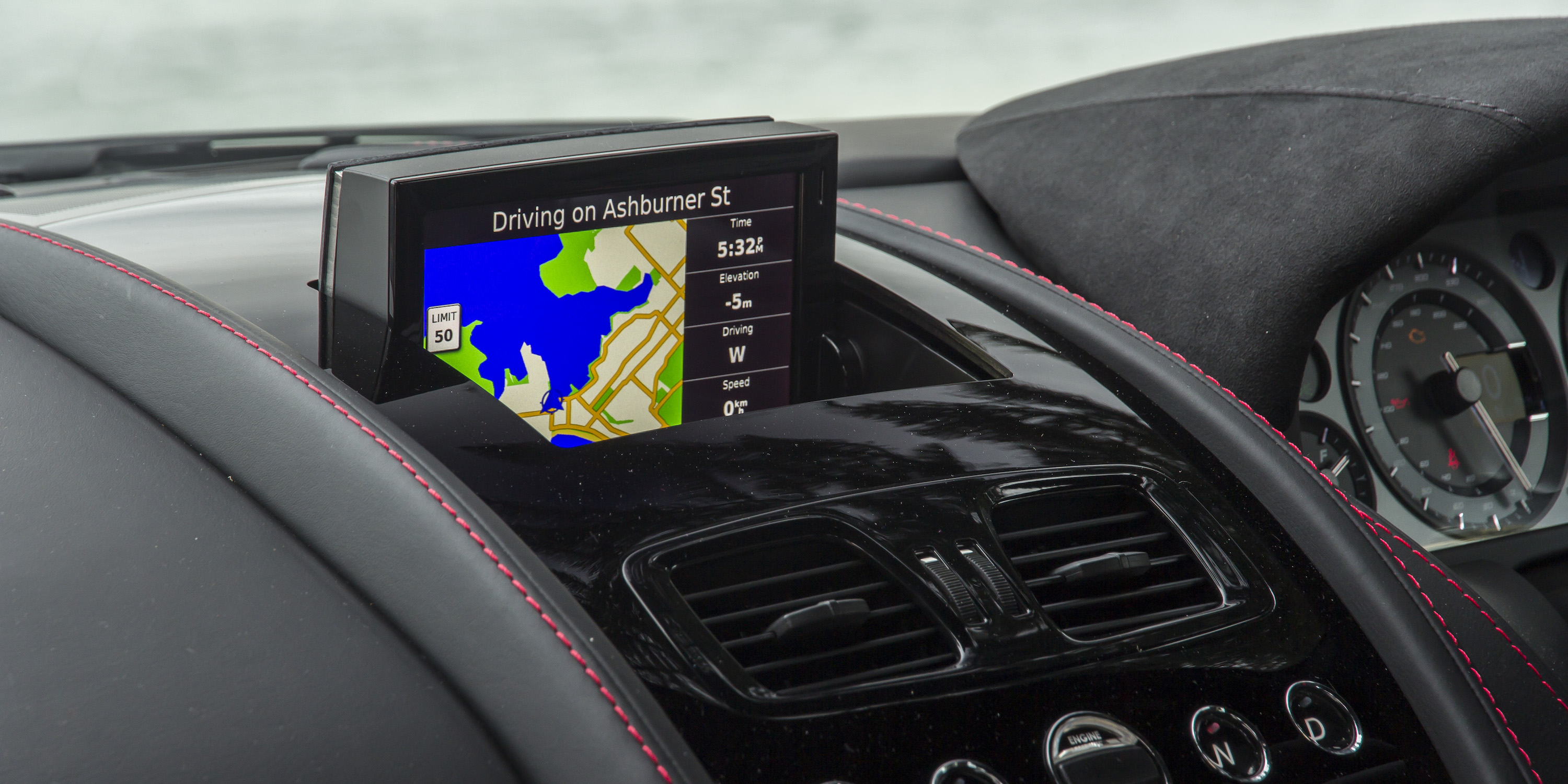 2016 Aston Martin Vantage Gt Head Unit (Photo 11 of 25)