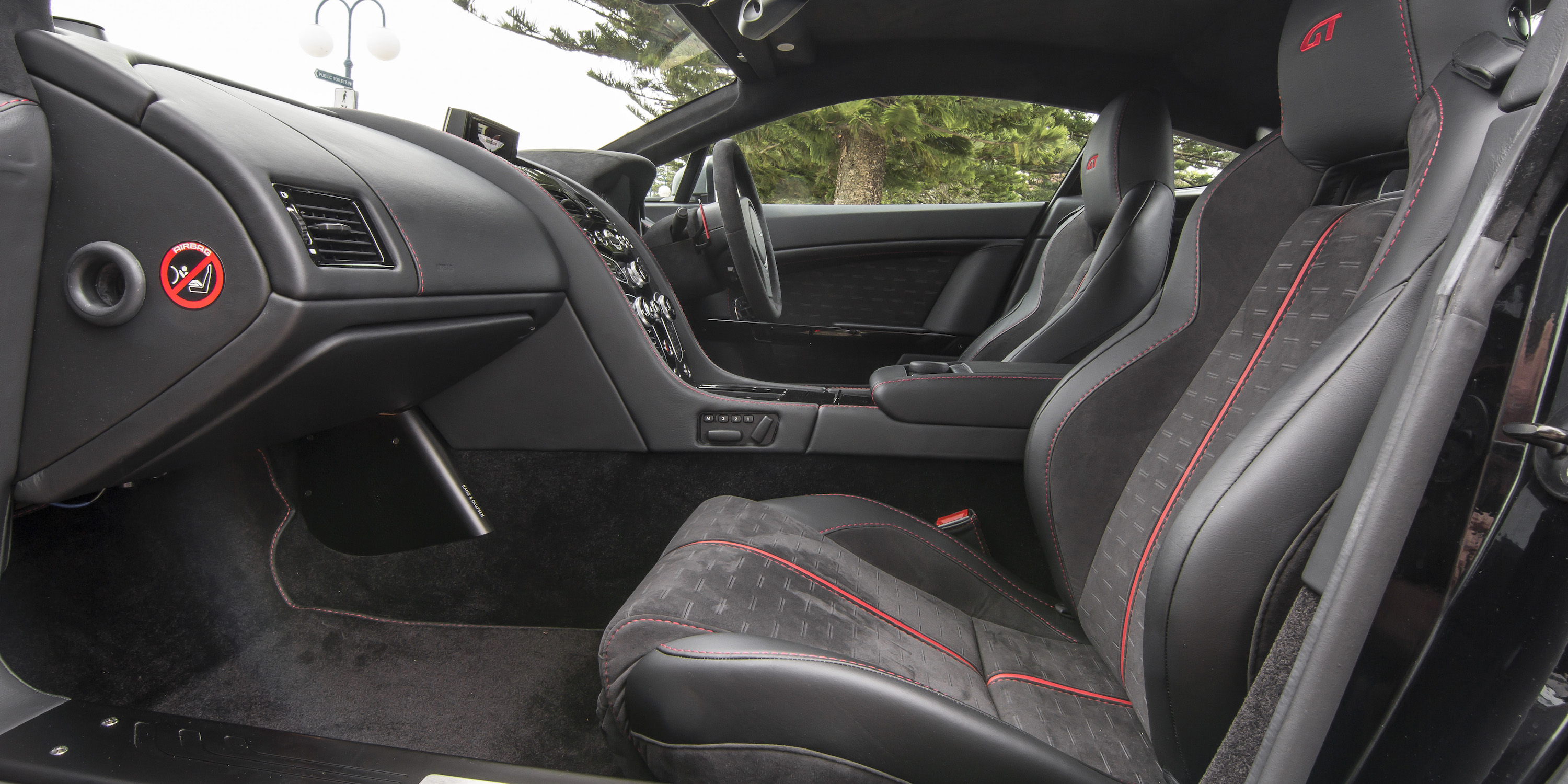 2016 Aston Martin Vantage Gt Passenger Seat Interior (Photo 16 of 25)