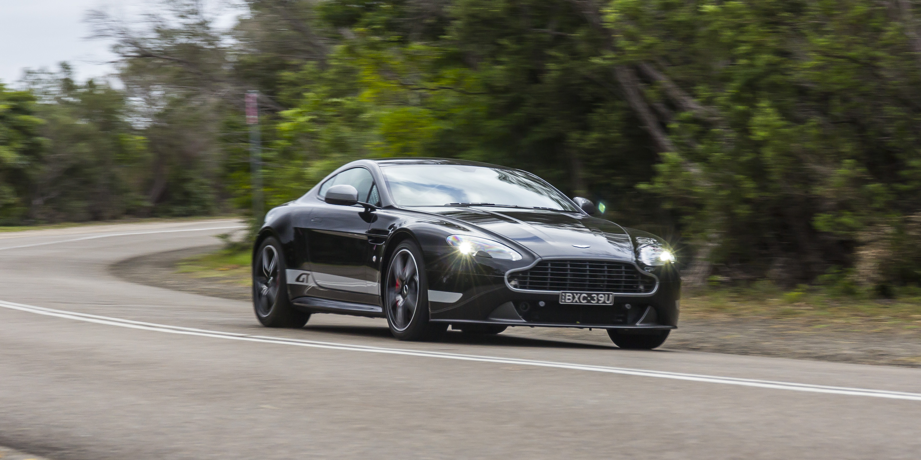 2016 Aston Martin Vantage Gt Performance Test (View 8 of 25)