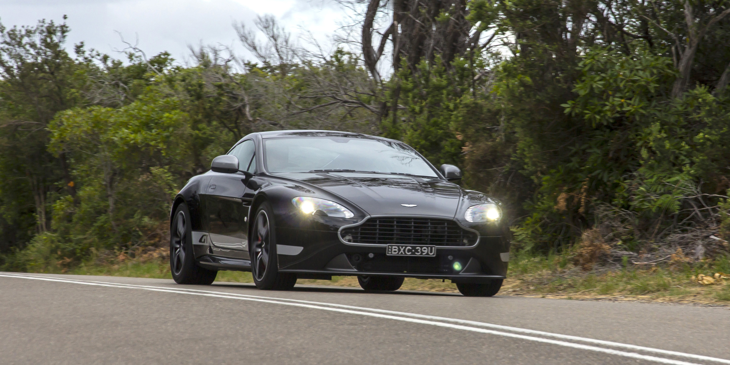 2016 Aston Martin Vantage Gt Test Drive (View 14 of 25)