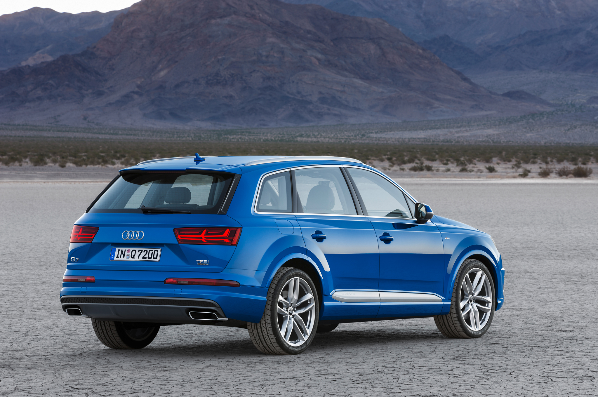 2016 Audi Q7 Rear Side View (Photo 4 of 8)