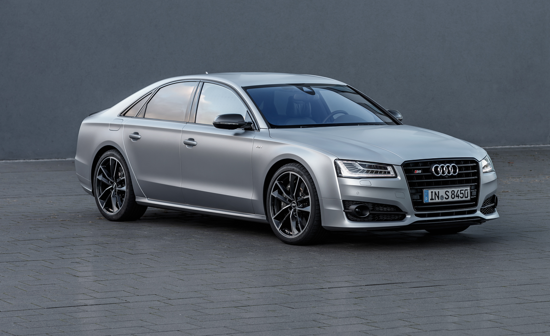 Featured Image of 2016 Audi S8 Plus
