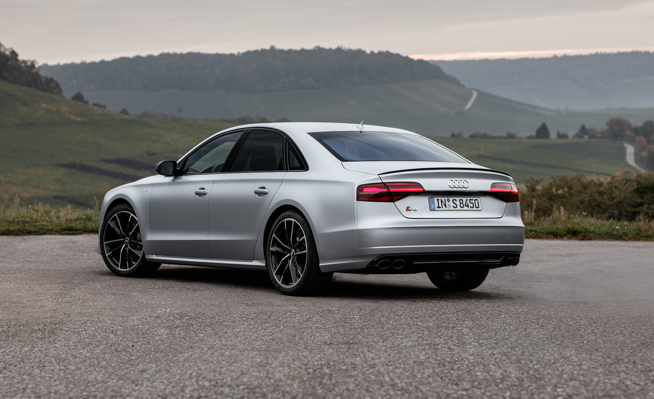 2016 Audi S8 Plus (Photo 9 of 12)