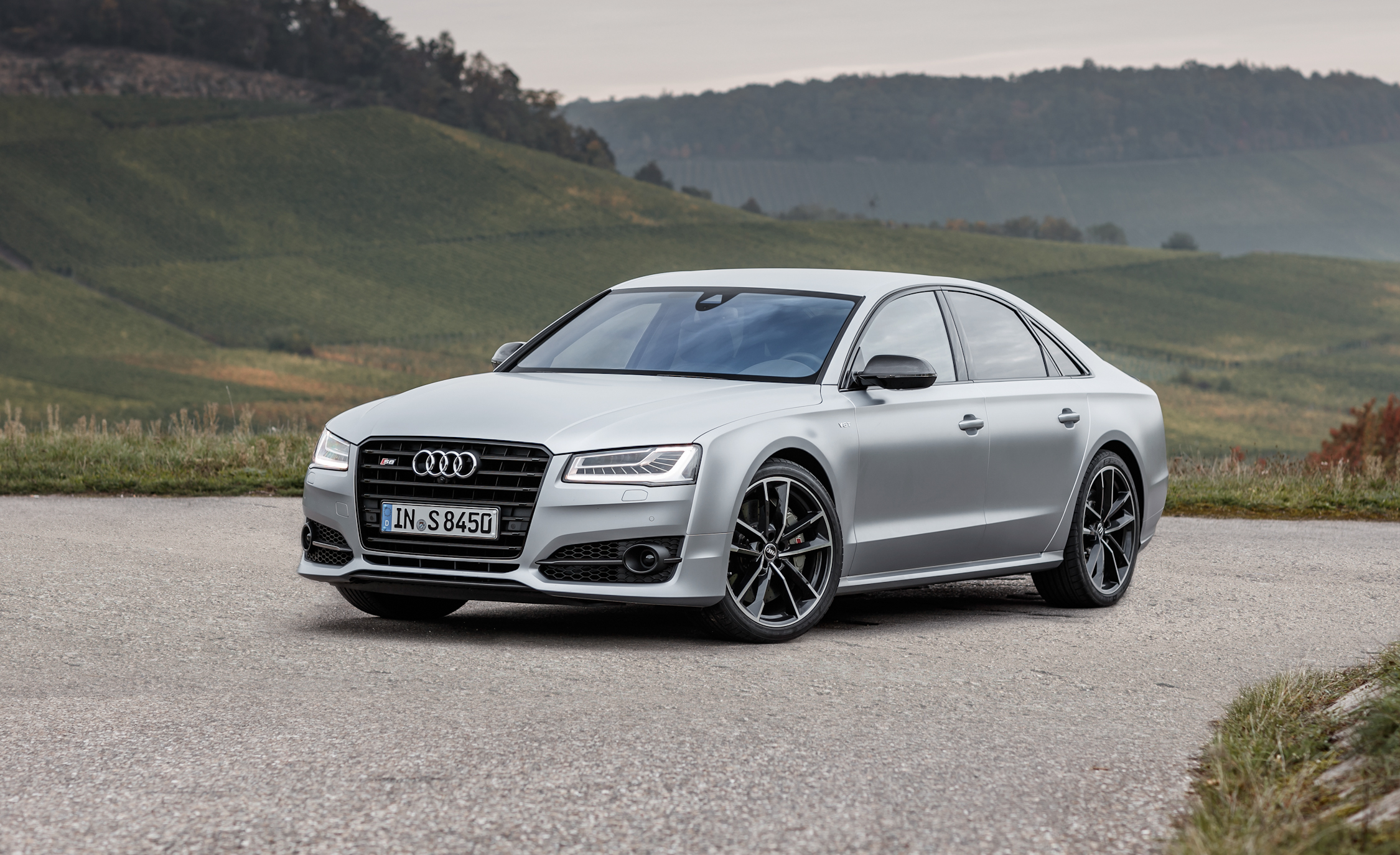2016 Audi S8 Plus (Photo 7 of 12)