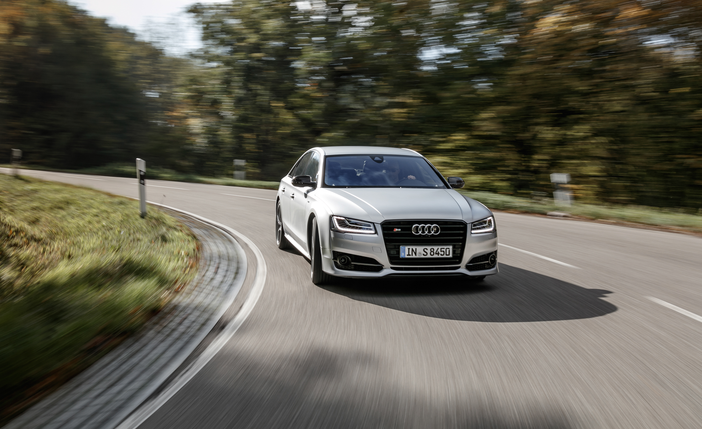 2016 Audi S8 Plus (Photo 1 of 12)