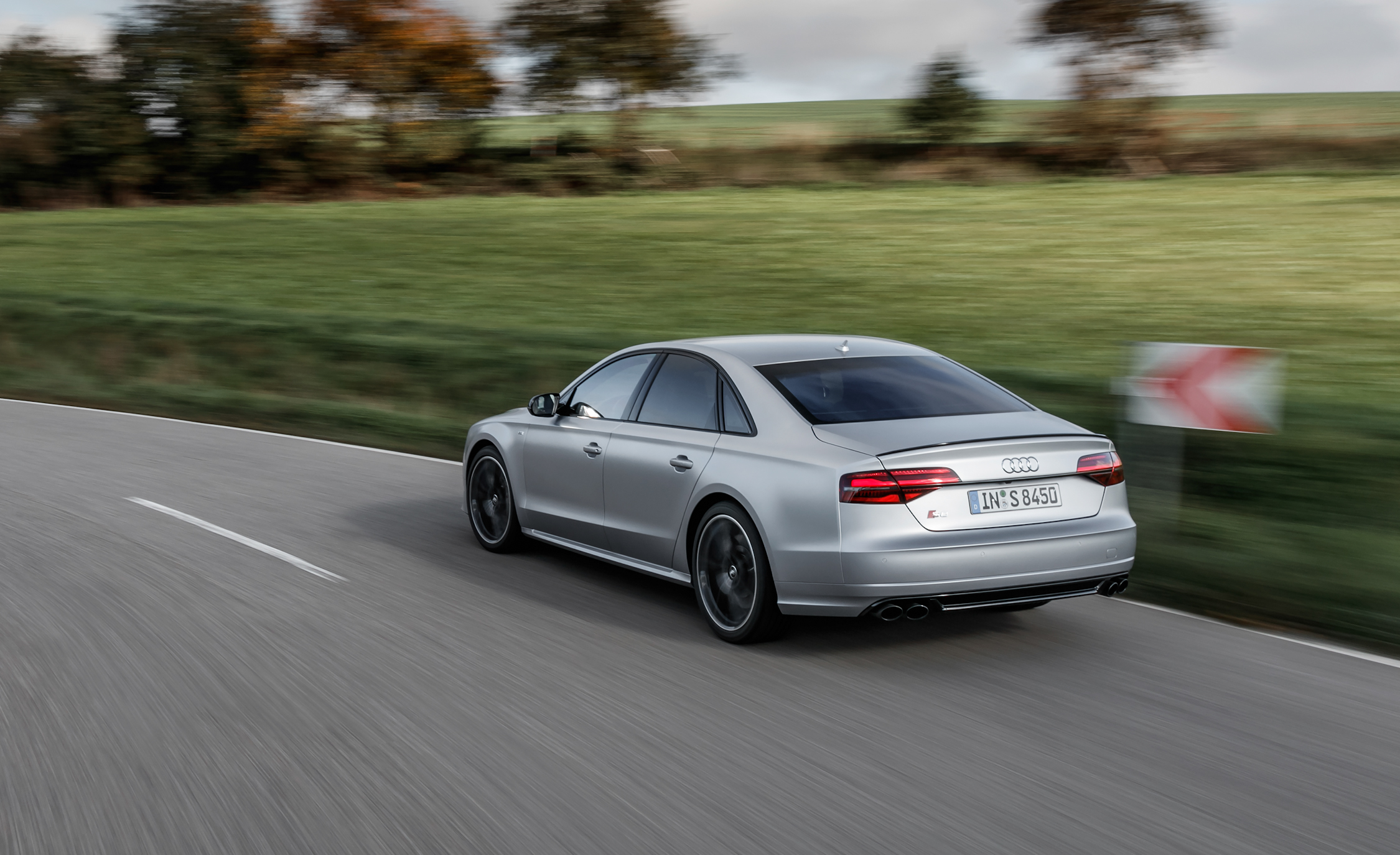 2016 Audi S8 Plus (Photo 5 of 12)
