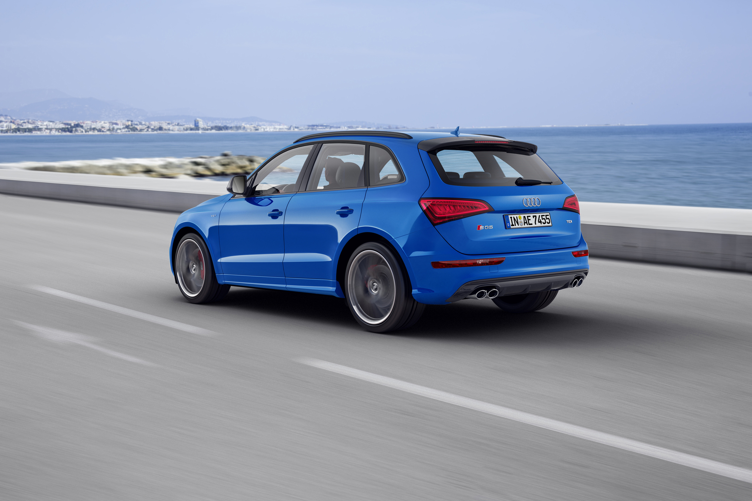 2016 Audi Sq5 Tdi Plus Rear Side Exterior (Photo 9 of 9)