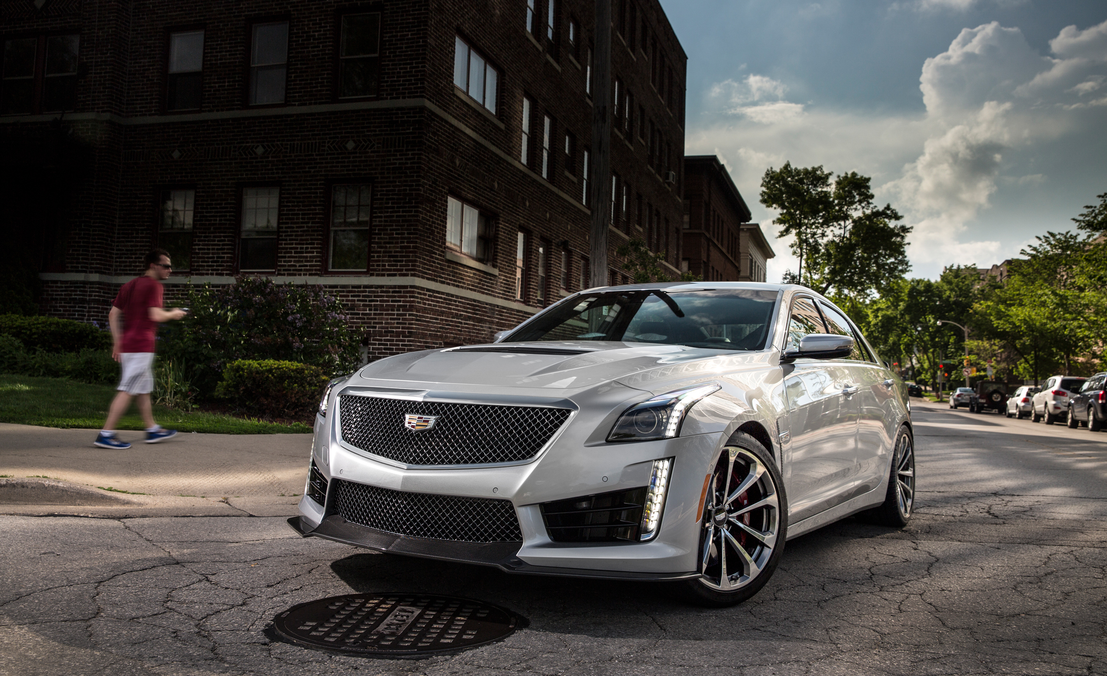 2016 Cadillac CTS V (Photo 16 of 27)