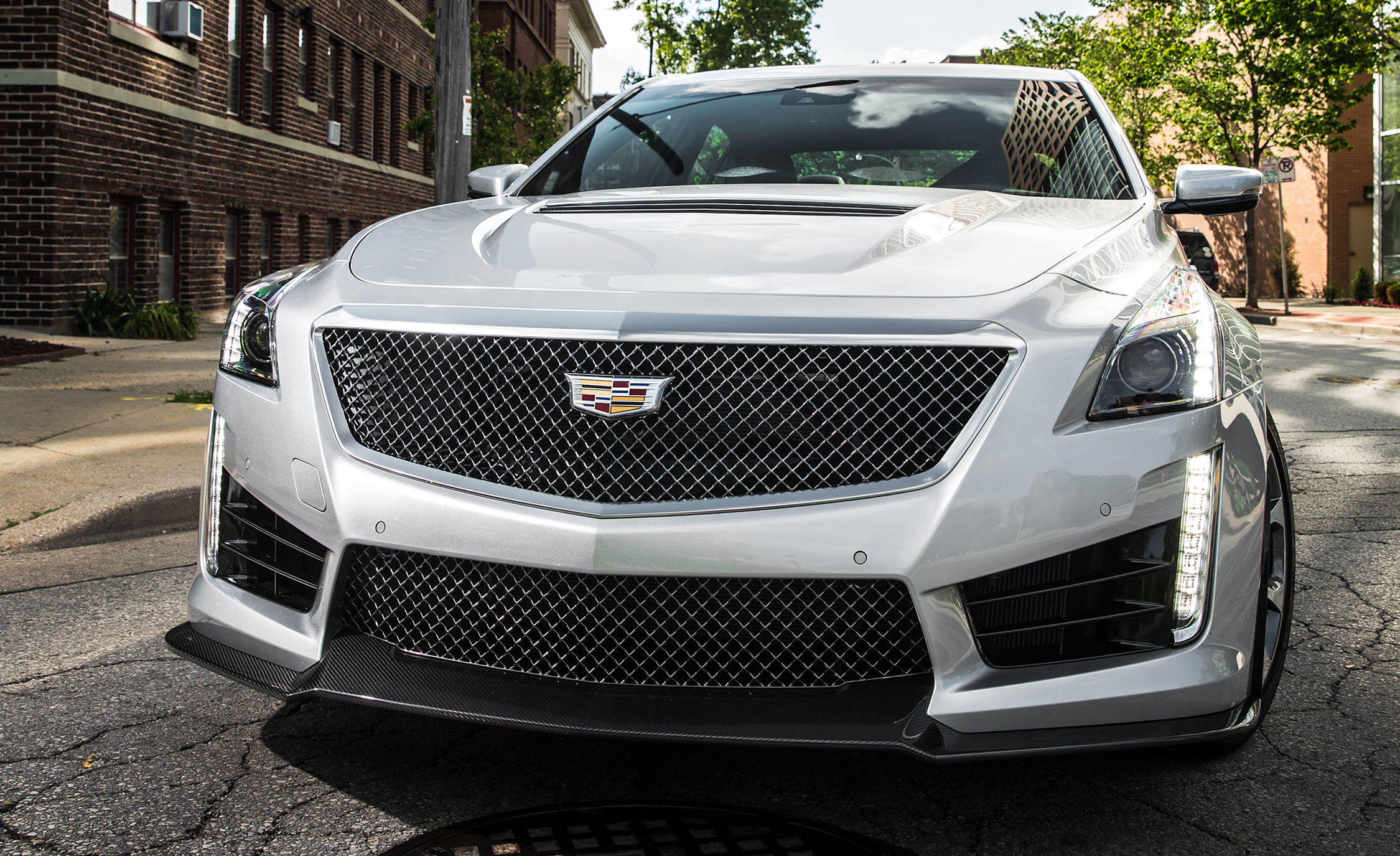 2016 Cadillac CTS V (Photo 15 of 27)