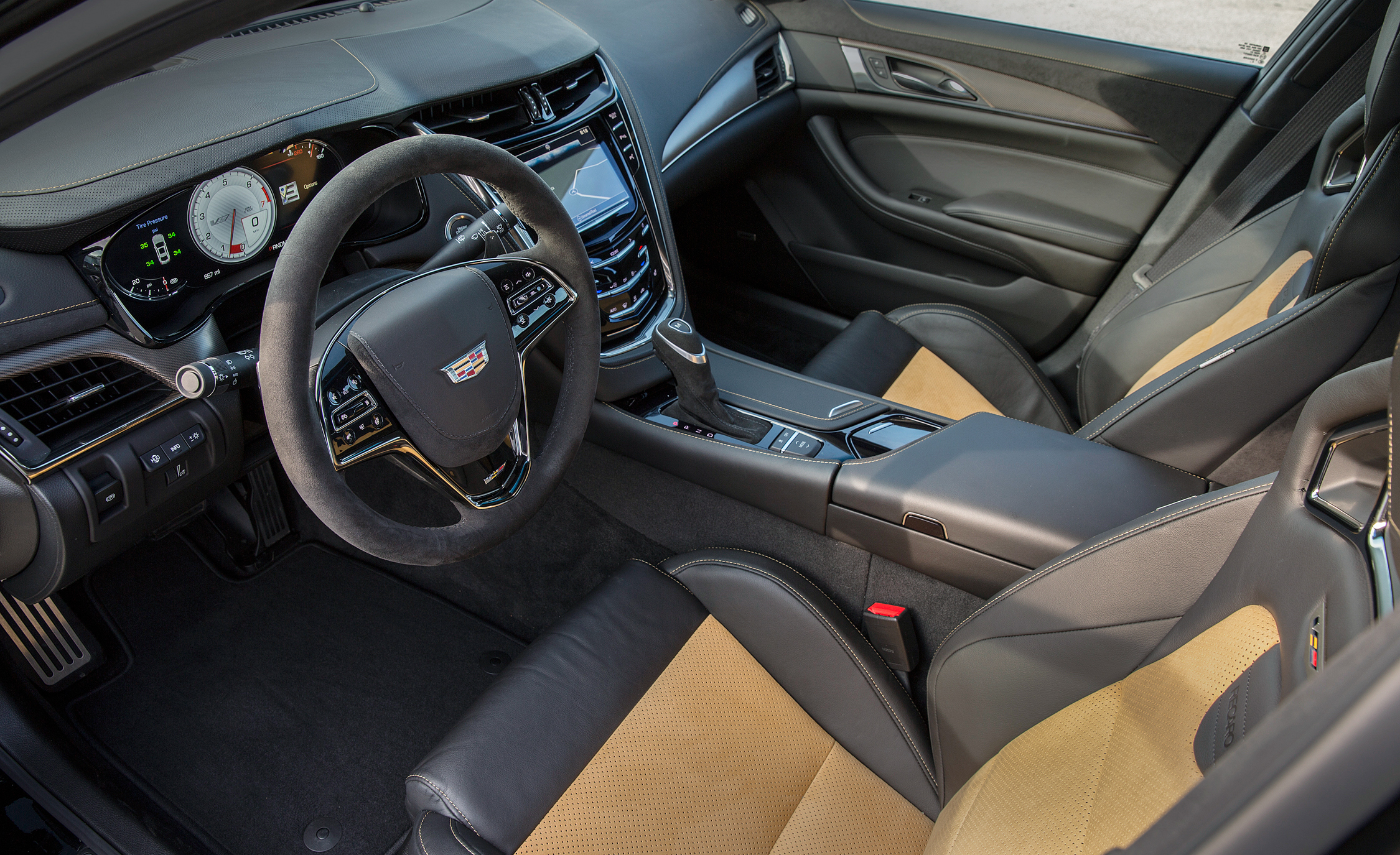 2016 Cadillac CTS V (Photo 23 of 27)