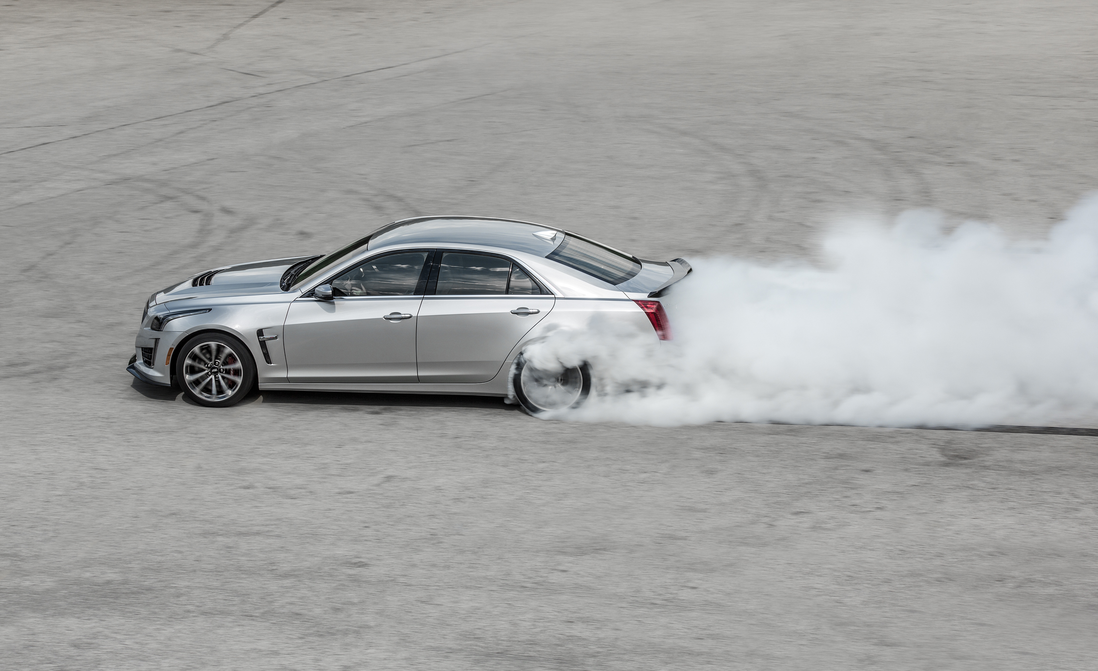 2016 Cadillac CTS V (Photo 3 of 27)