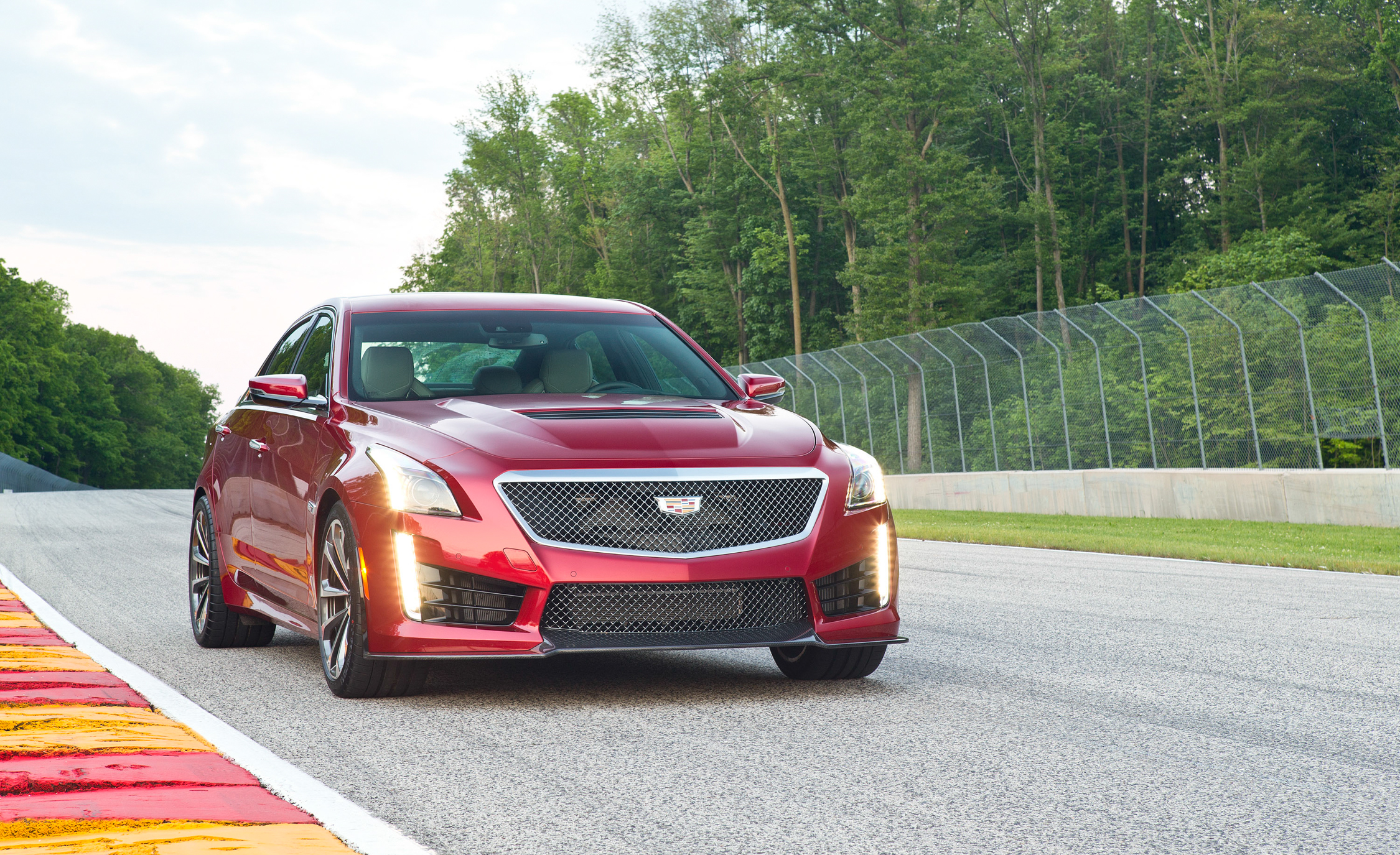 2016 Cadillac CTS V (Photo 6 of 27)