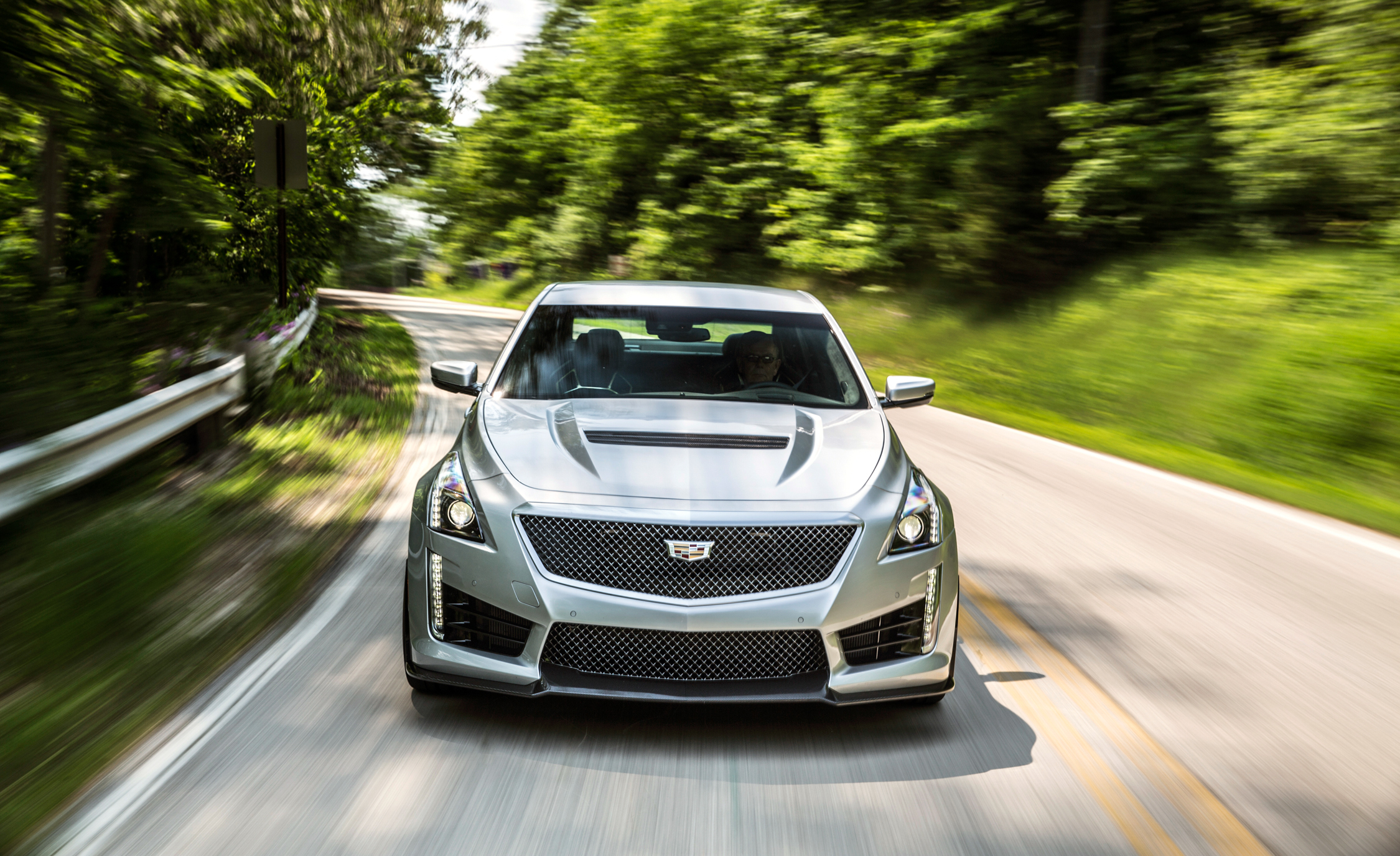 2016 Cadillac CTS V (Photo 10 of 27)