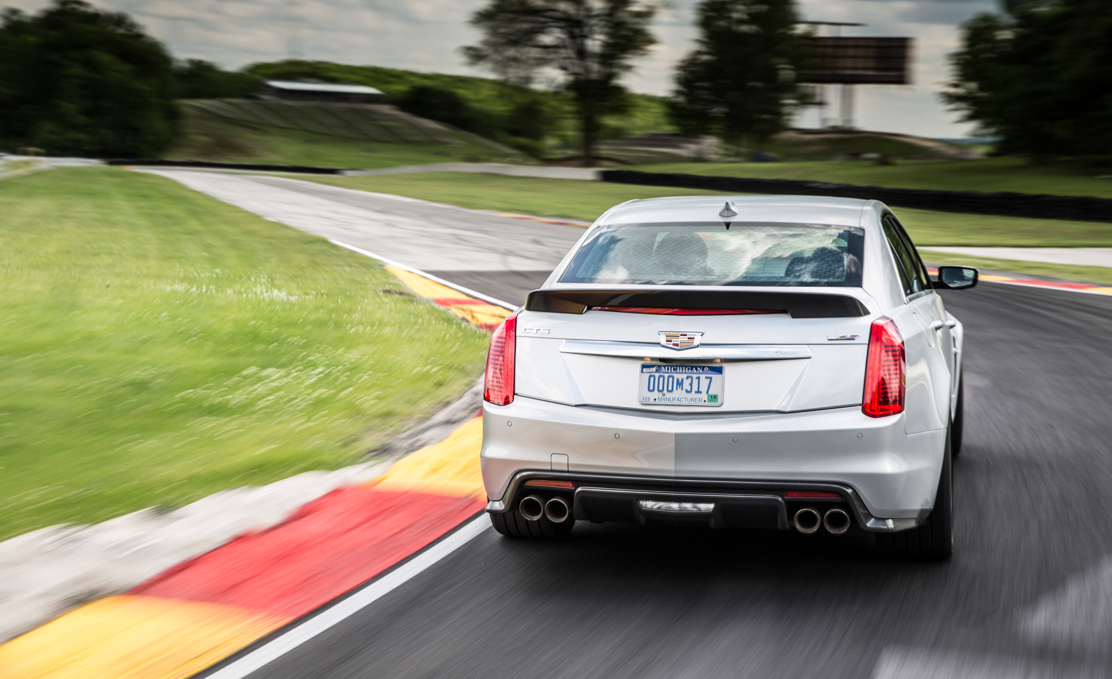 2016 Cadillac CTS V (Photo 11 of 27)