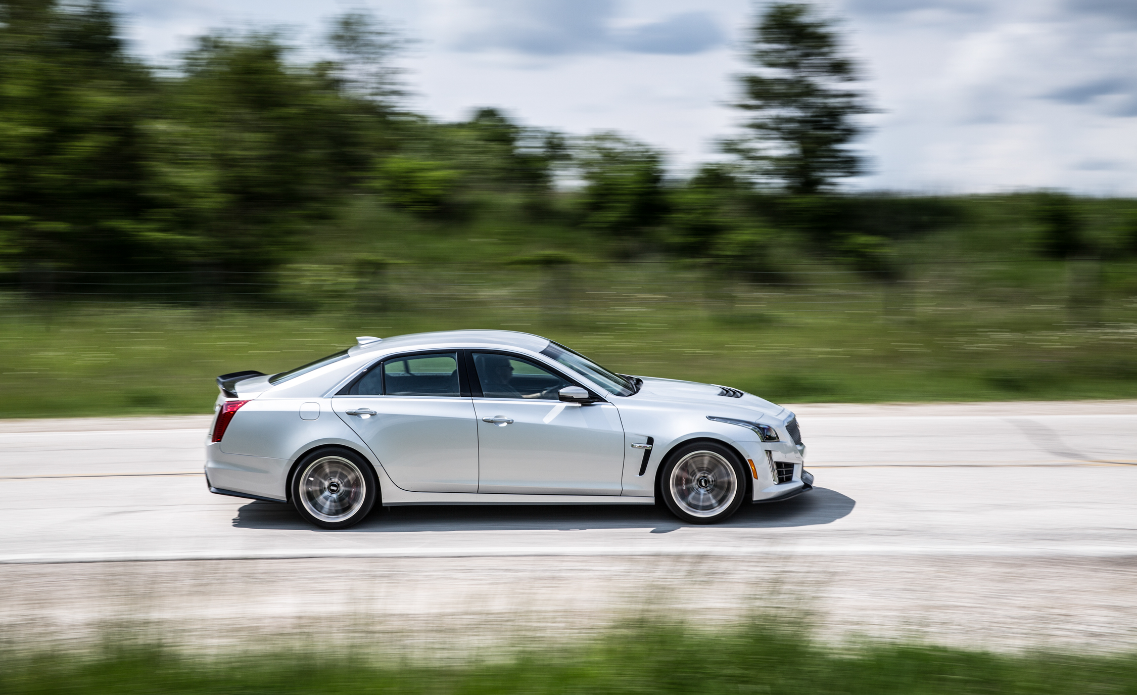 2016 Cadillac CTS V (Photo 12 of 27)