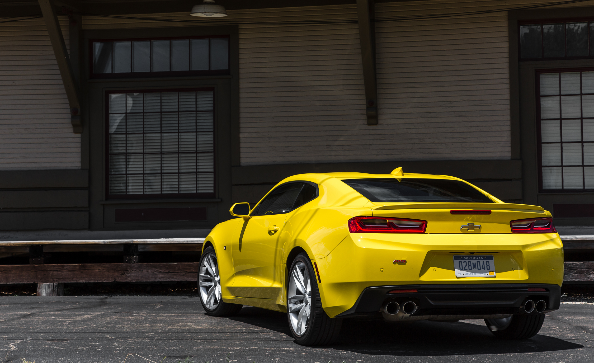 2016 Chevrolet Camaro RS (Photo 3 of 54)