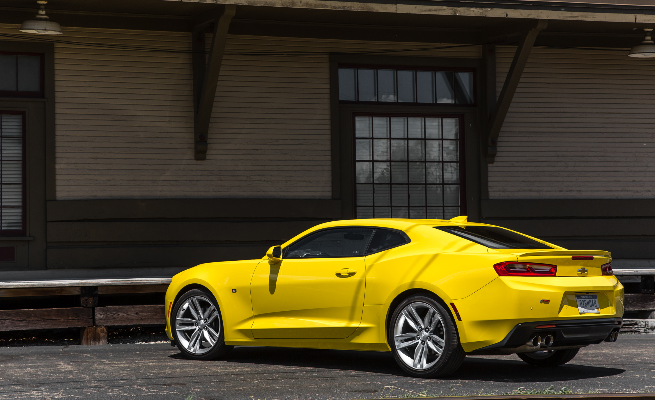 2016 Chevrolet Camaro RS (Photo 4 of 54)